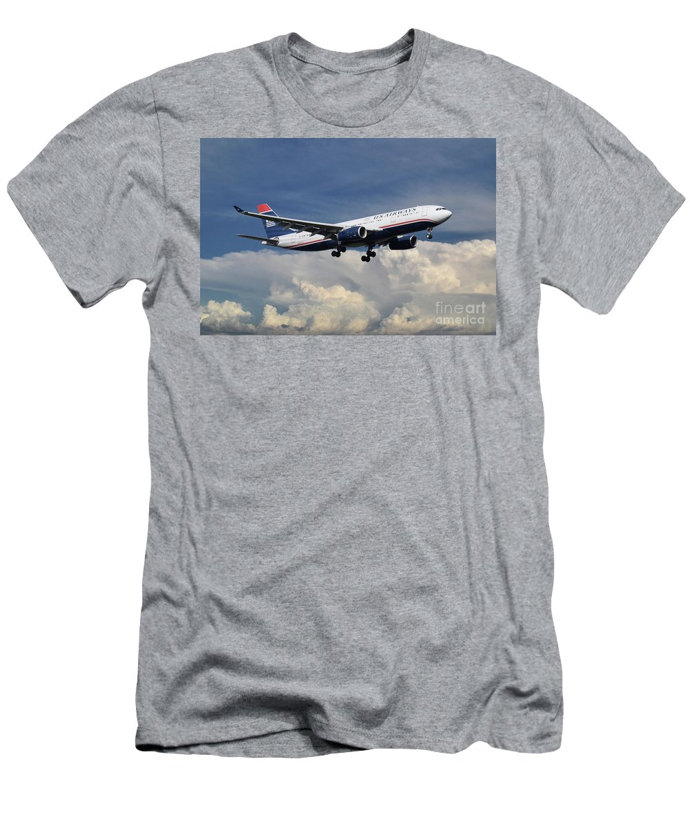 A330 Men's T-Shirt (Athletic Fit) featuring the digital art Us Airways A330-200 N280ay by J Biggadike