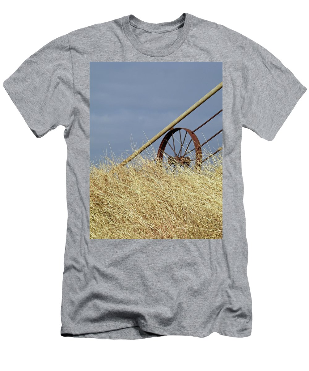 Wagon Wheel Men's T-Shirt (Athletic Fit) featuring the photograph Wagon Wheel Fence by Gale Cochran-Smith