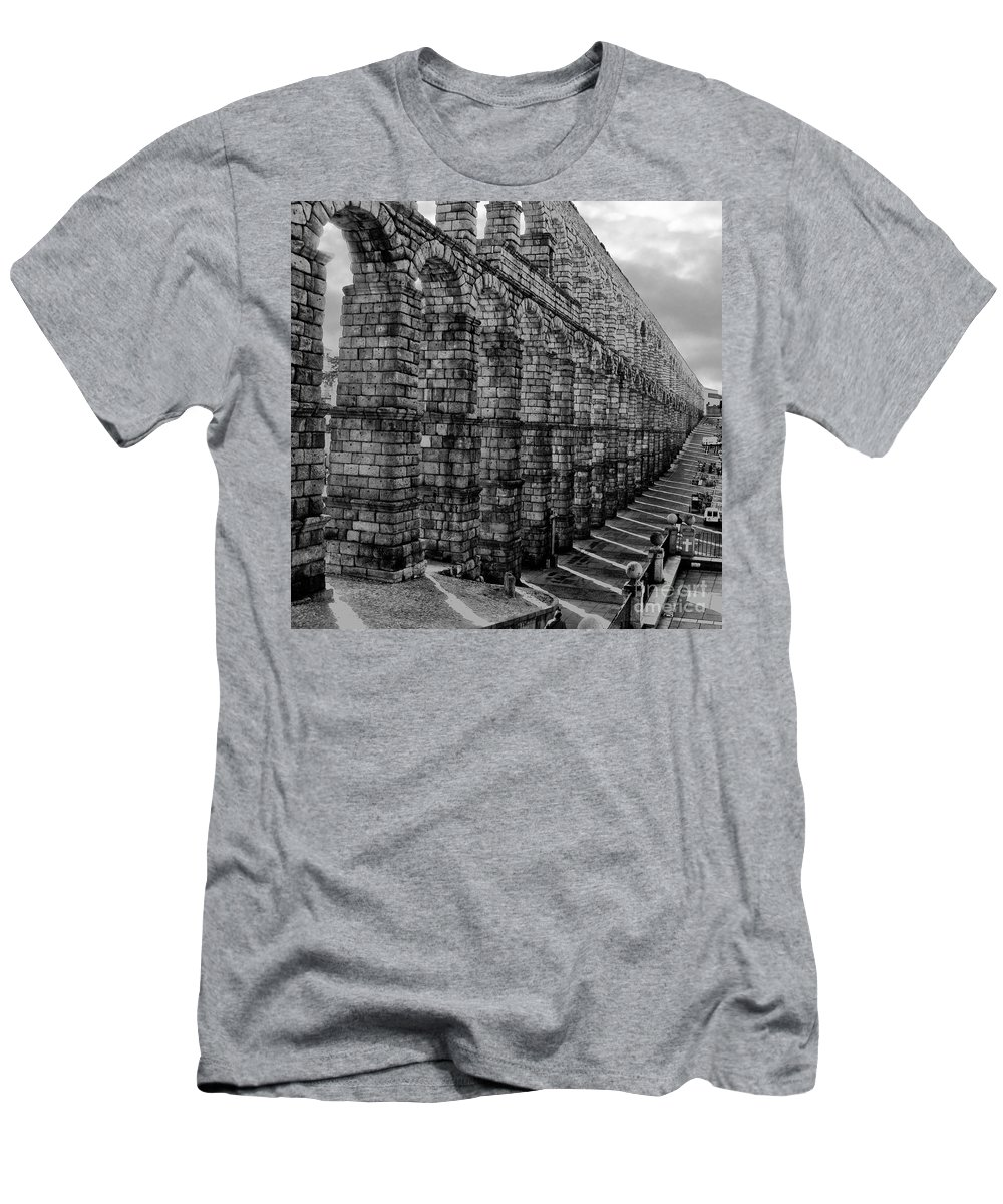Spain Men's T-Shirt (Athletic Fit) featuring the photograph Water For Segovia by Don Kenworthy