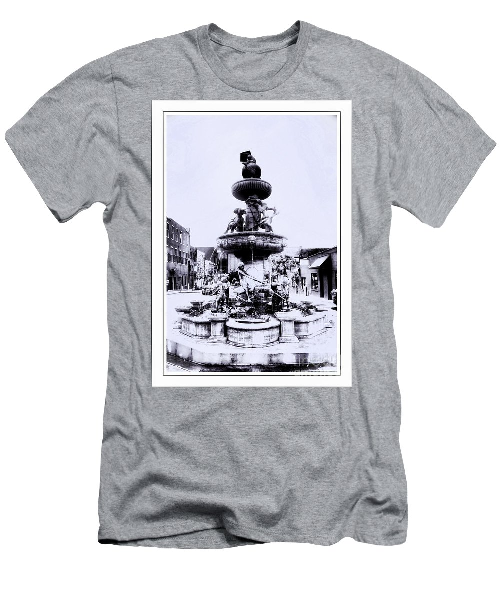 Water Men's T-Shirt (Athletic Fit) featuring the photograph Water Fountain by Kathleen Struckle