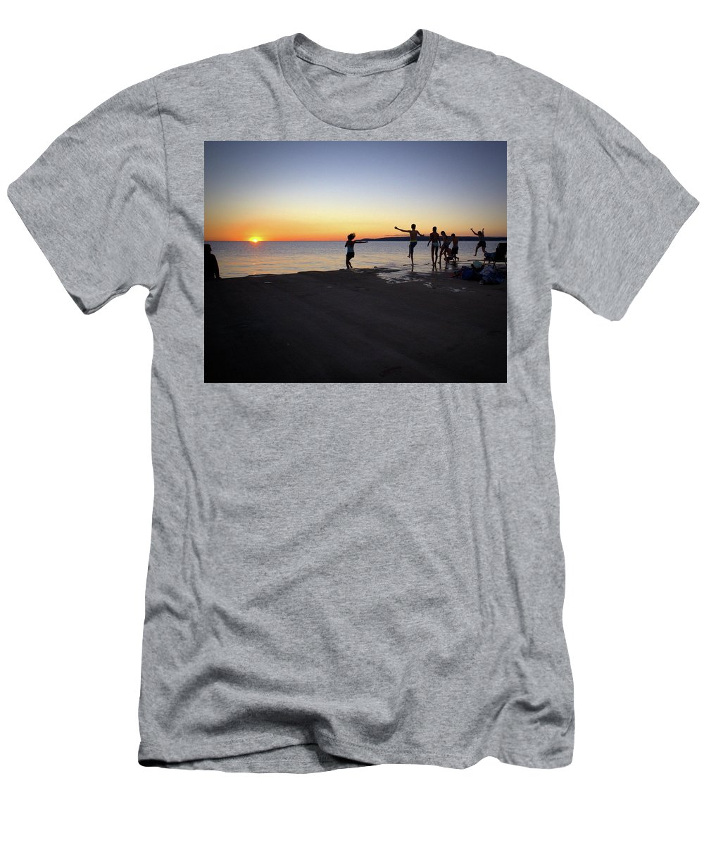 Silhouettes Men's T-Shirt (Athletic Fit) featuring the photograph Water Play by LuAnn Griffin