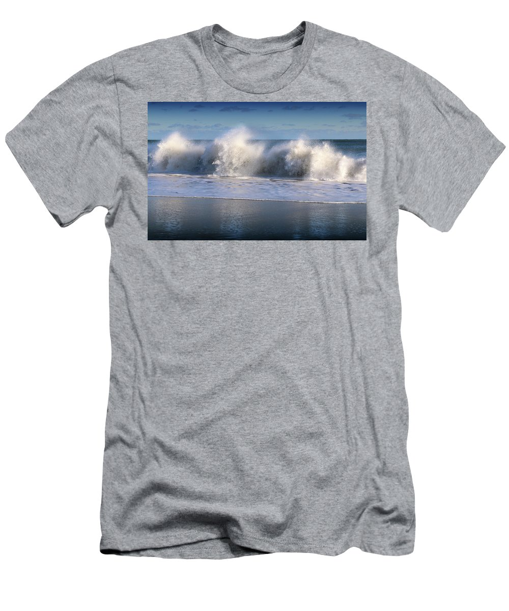 Ocean Men's T-Shirt (Athletic Fit) featuring the digital art Waves Against The Wind by William Bader