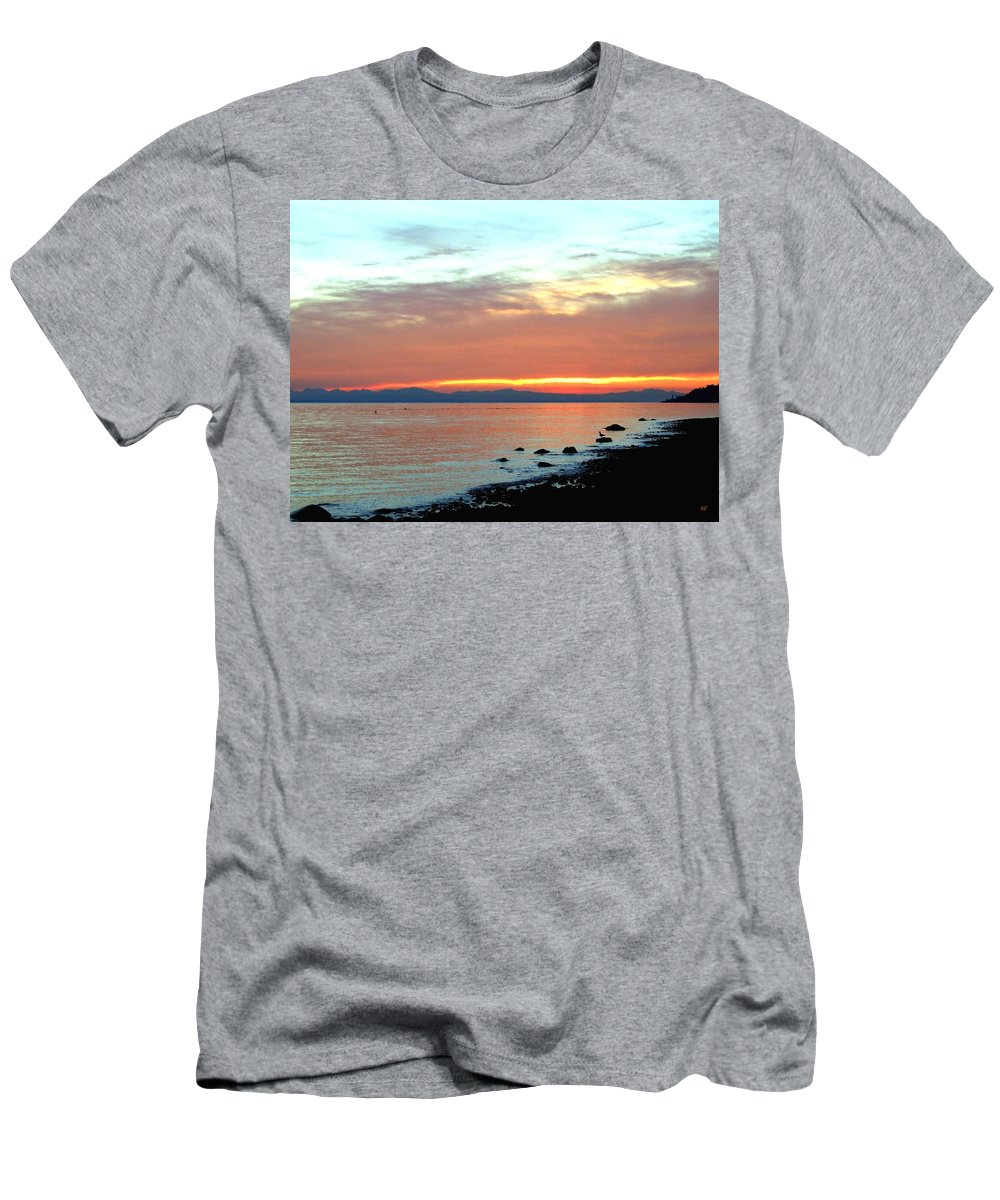 Sunset Men's T-Shirt (Athletic Fit) featuring the photograph West Vancouver Sunset by Will Borden
