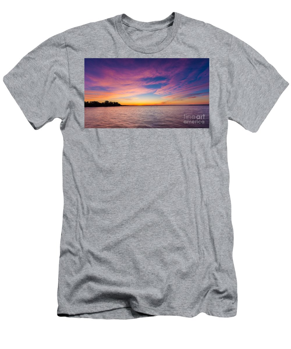 Clouds Men's T-Shirt (Athletic Fit) featuring the photograph Winnebago Rise by Andrew Slater