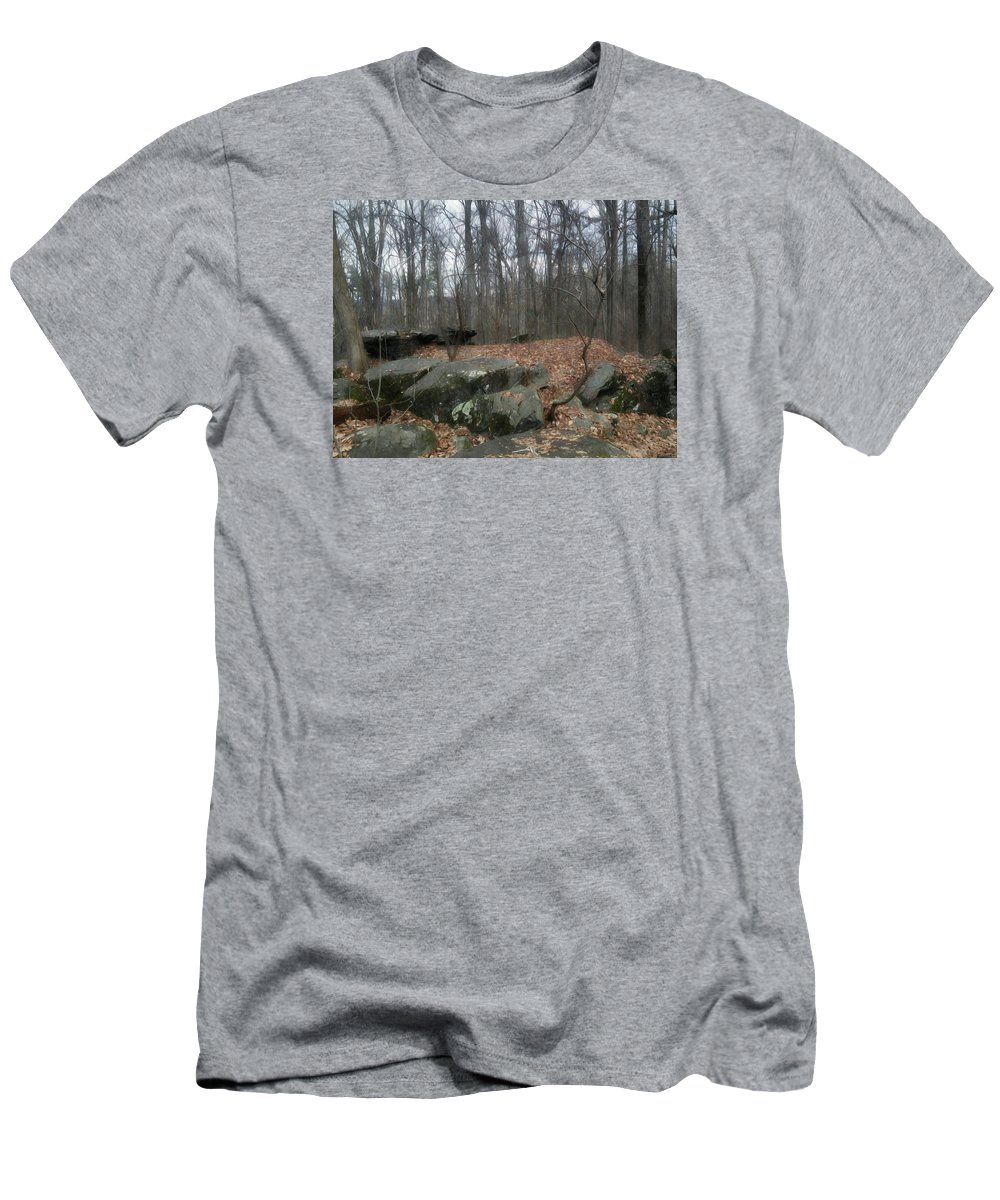 Gettysburg Men's T-Shirt (Athletic Fit) featuring the photograph Woods Of Big Round Top by Shelley Smith