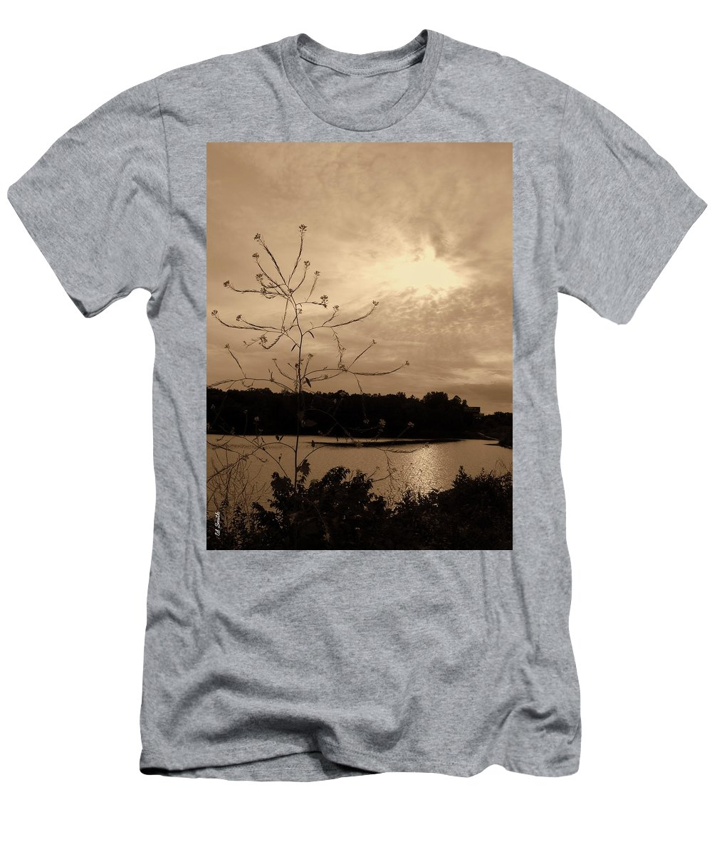 Worm Hole Men's T-Shirt (Athletic Fit) featuring the photograph Worm Hole by Ed Smith