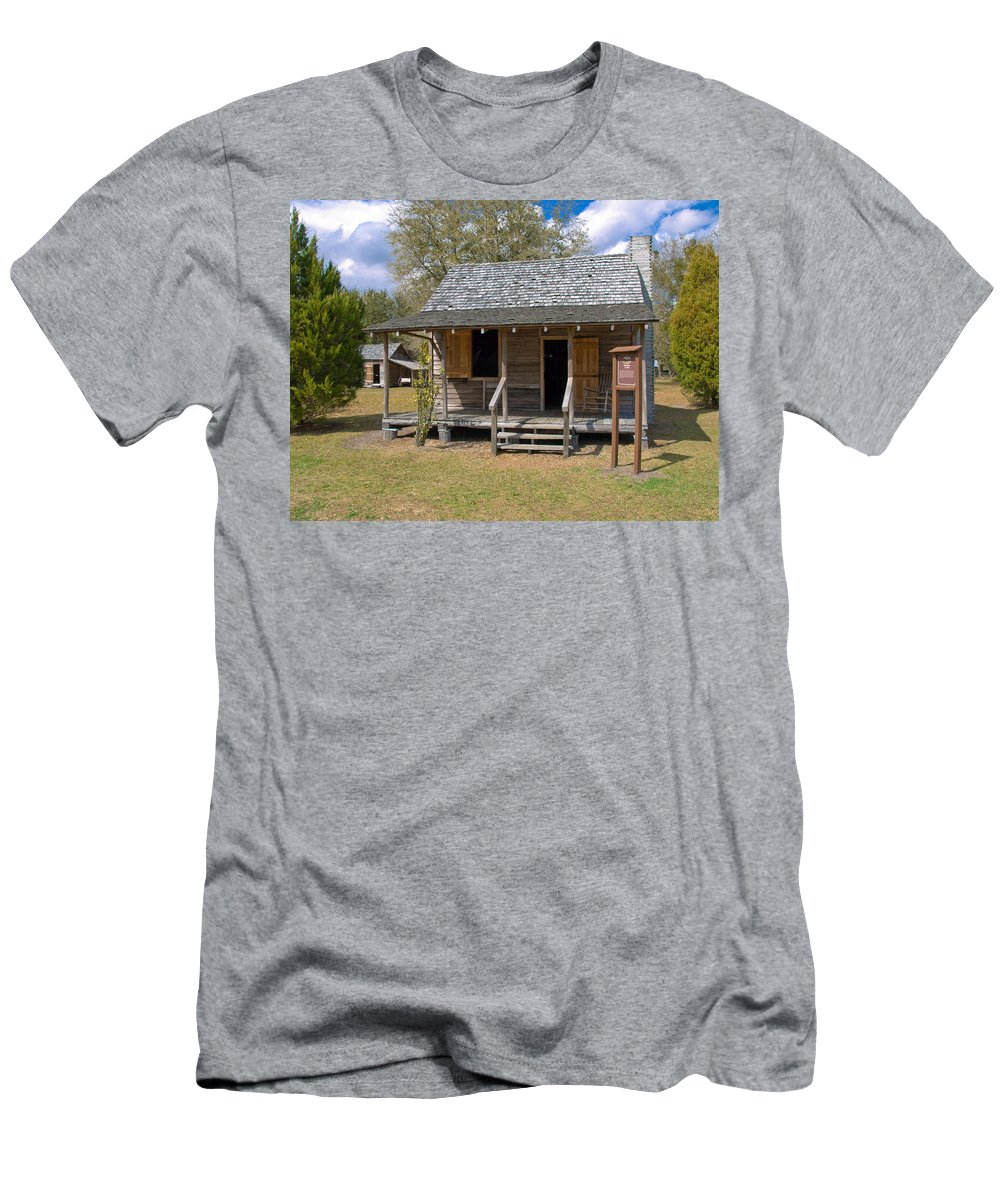 Cabin Men's T-Shirt (Athletic Fit) featuring the photograph Yates Homestead Built In 1893 On Taylor Creek In Central Florida by Allan Hughes