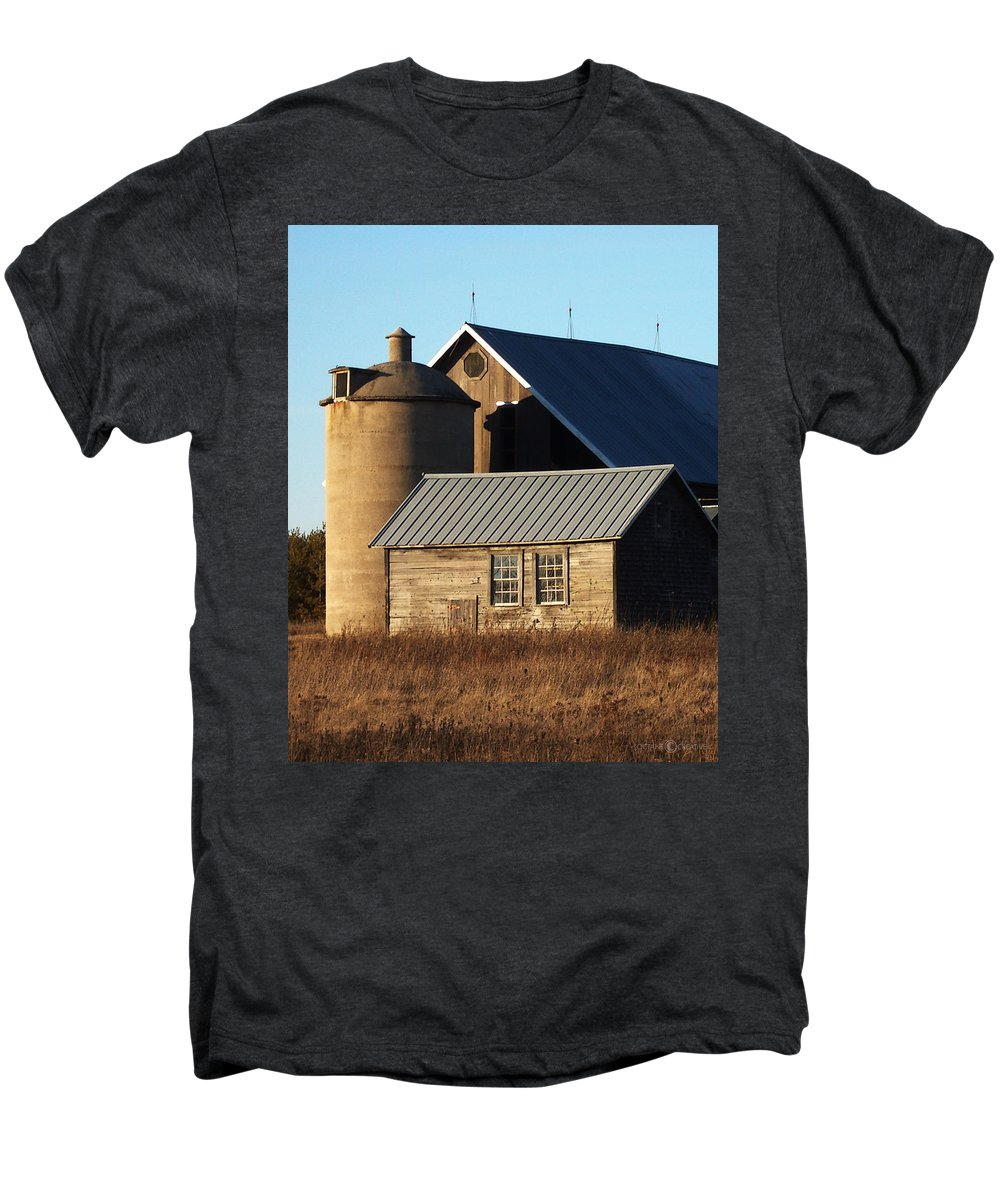 Barn Men's Premium T-Shirt featuring the photograph Barn At 57 And Q by Tim Nyberg