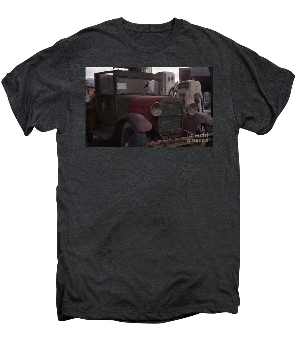 Gas Station Men's Premium T-Shirt featuring the photograph Full Service by Richard Rizzo
