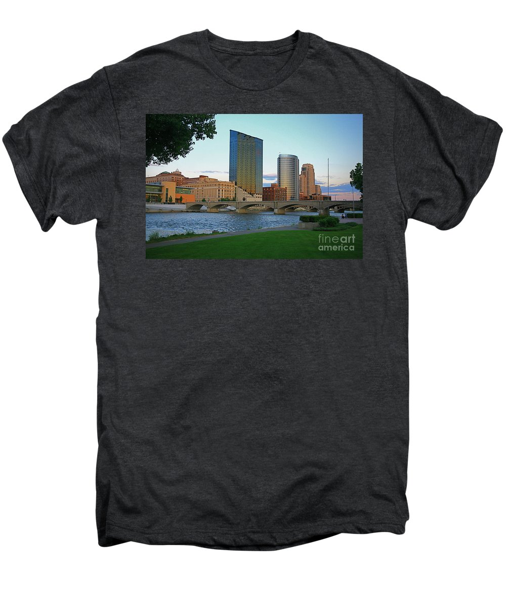 Sky Line Men's Premium T-Shirt featuring the photograph Grand Rapids Mi-3 by Robert Pearson