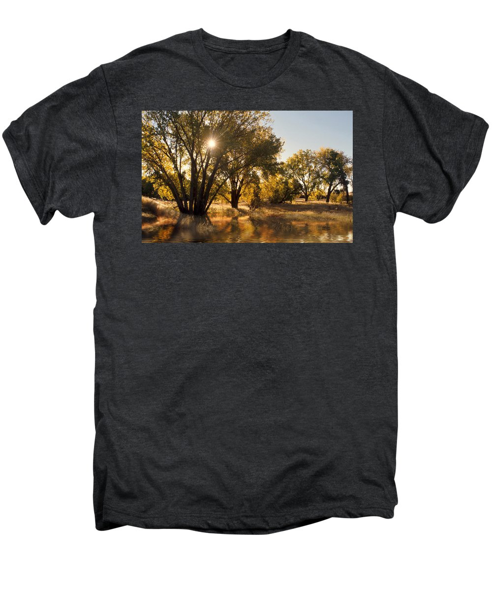 Ftrees Men's Premium T-Shirt featuring the photograph Oliver Sunbursts by Jerry McElroy