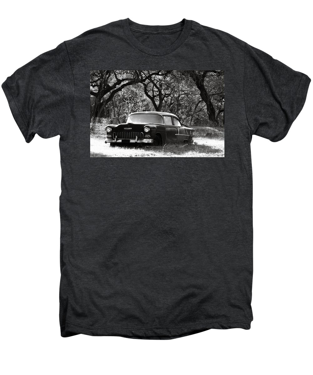 Americana Men's Premium T-Shirt featuring the photograph Resting Amongst The Oaks by Marilyn Hunt