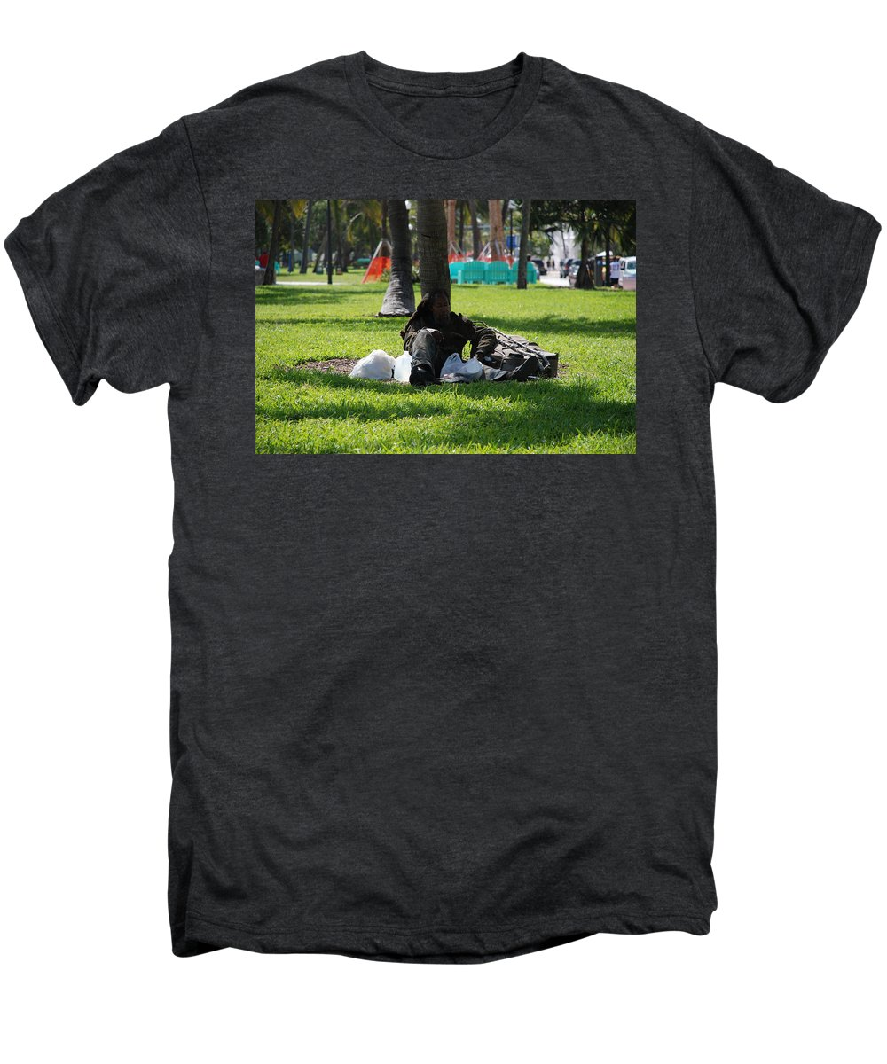 Urban Men's Premium T-Shirt featuring the photograph Rip Van Winkle by Rob Hans