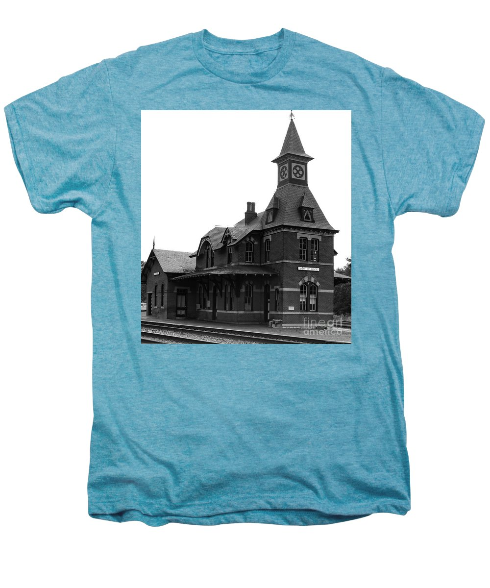 Train Men's Premium T-Shirt featuring the photograph Point Of Rocks IIi by Thomas Marchessault
