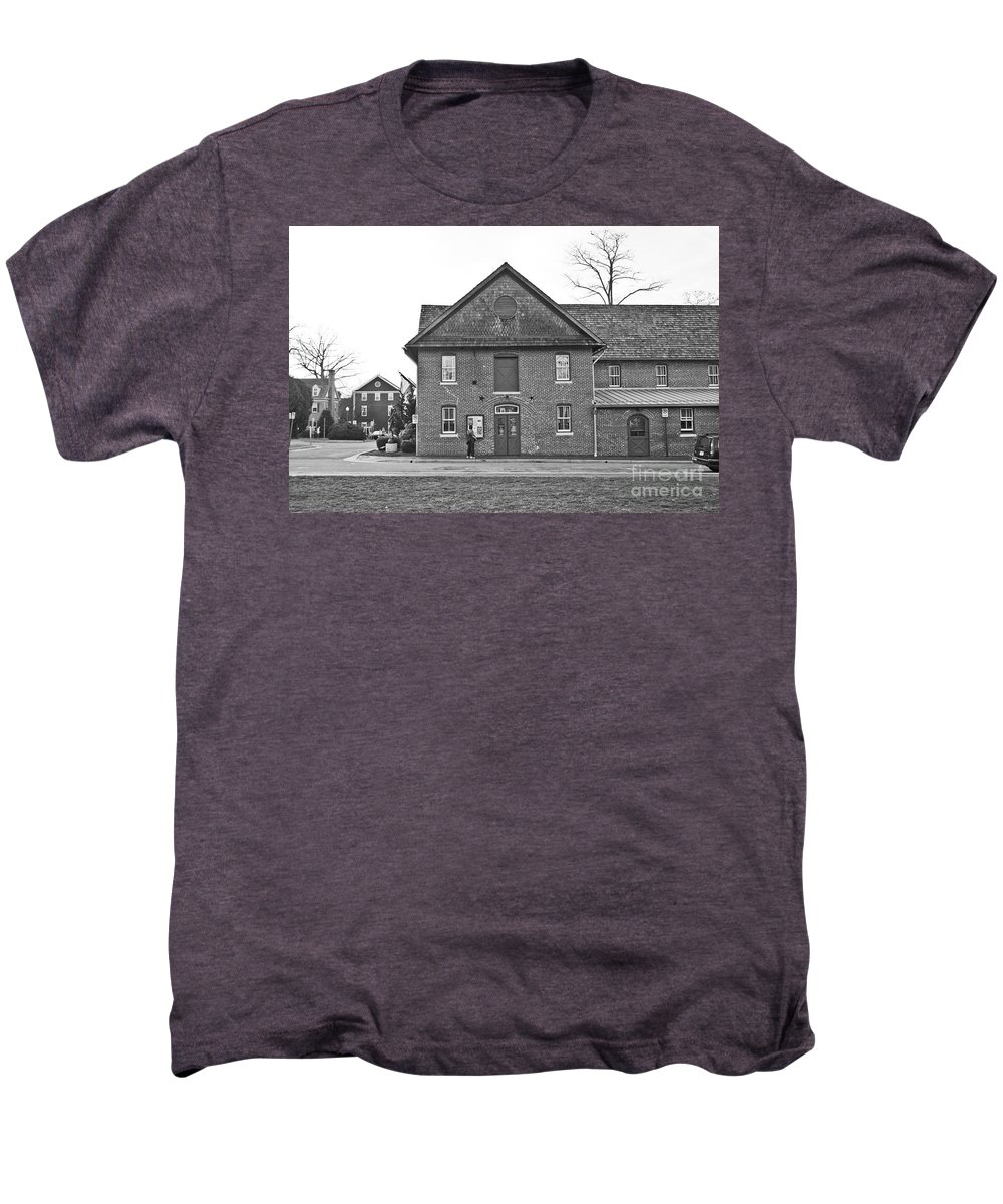 Kentlands Men's Premium T-Shirt featuring the photograph Kentlands Arts Barn by Thomas Marchessault
