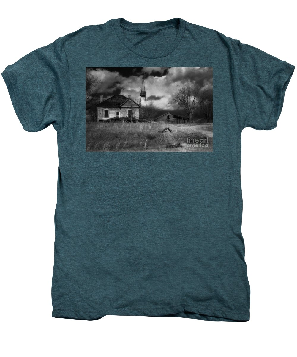 Farms Men's Premium T-Shirt featuring the photograph Old Georgia Farm by Richard Rizzo