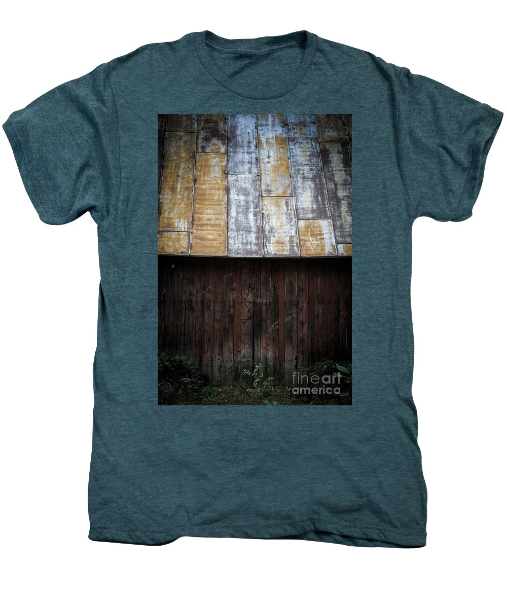 Vermont Men's Premium T-Shirt featuring the photograph Old Rusty Tin Roof Barn by Edward Fielding