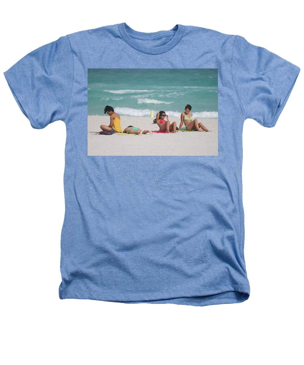 Sea Scape Heathers T-Shirt featuring the photograph 3 Up 1 Down At The Beach by Rob Hans