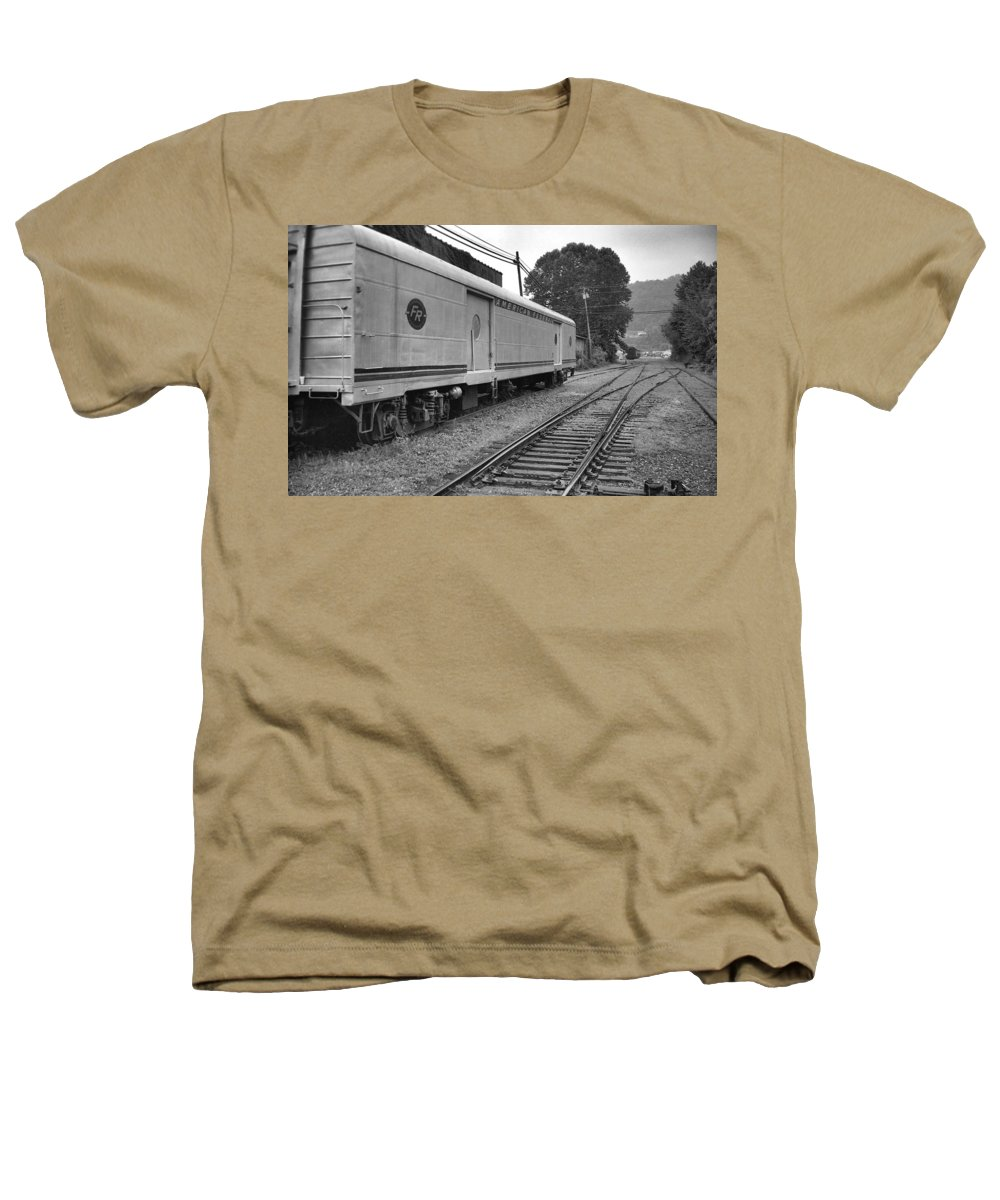 Trains Heathers T-Shirt featuring the photograph American Federail by Richard Rizzo
