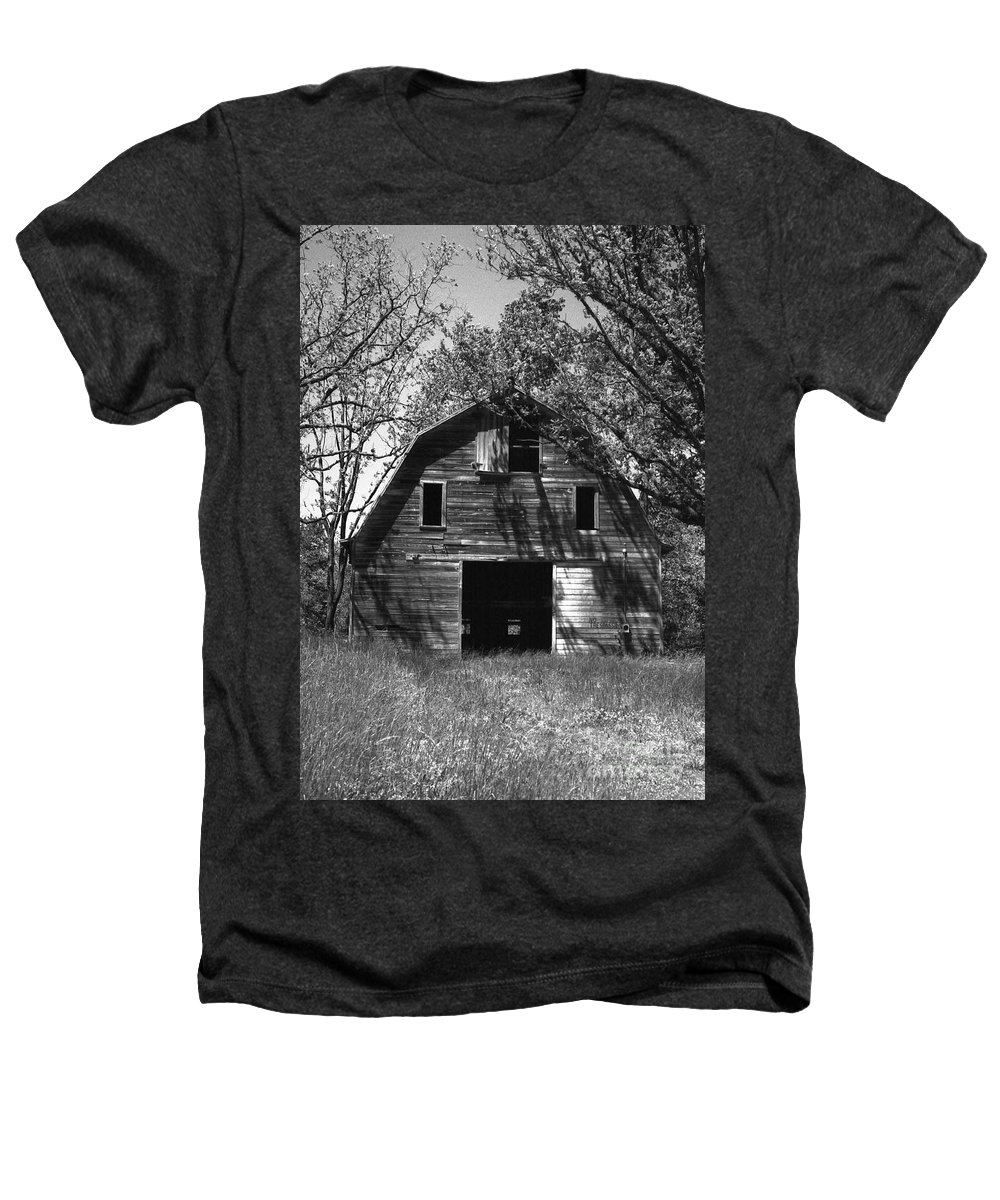 Barrns Heathers T-Shirt featuring the photograph Old Cedar Barn by Richard Rizzo