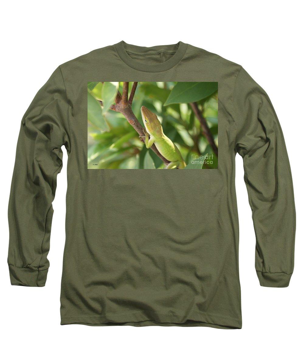 Lizard Long Sleeve T-Shirt featuring the photograph Blusing Lizard by Shelley Jones