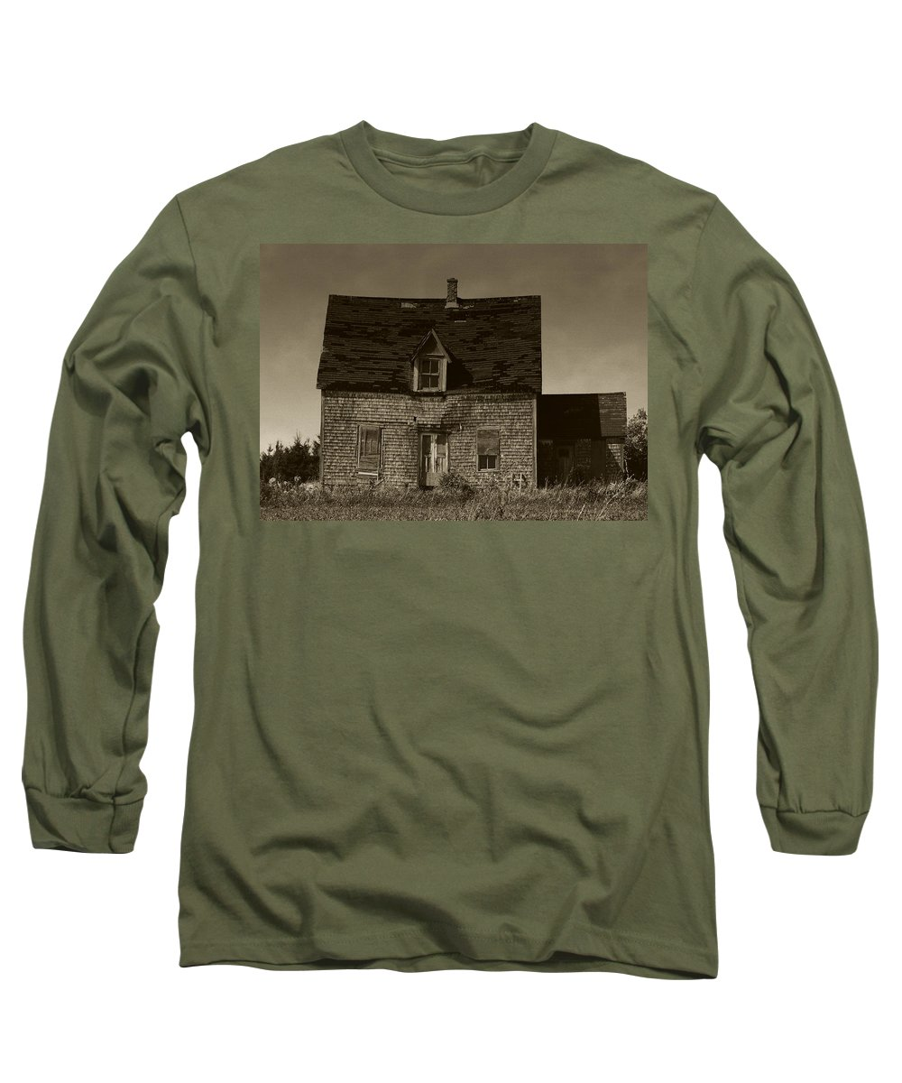 Old House Long Sleeve T-Shirt featuring the photograph Dark Day On Lonely Street by RC DeWinter