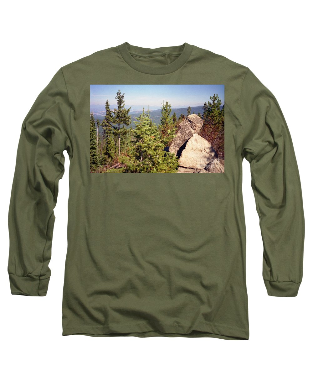 Landscapes Long Sleeve T-Shirt featuring the photograph The Star Gazer by Richard Rizzo