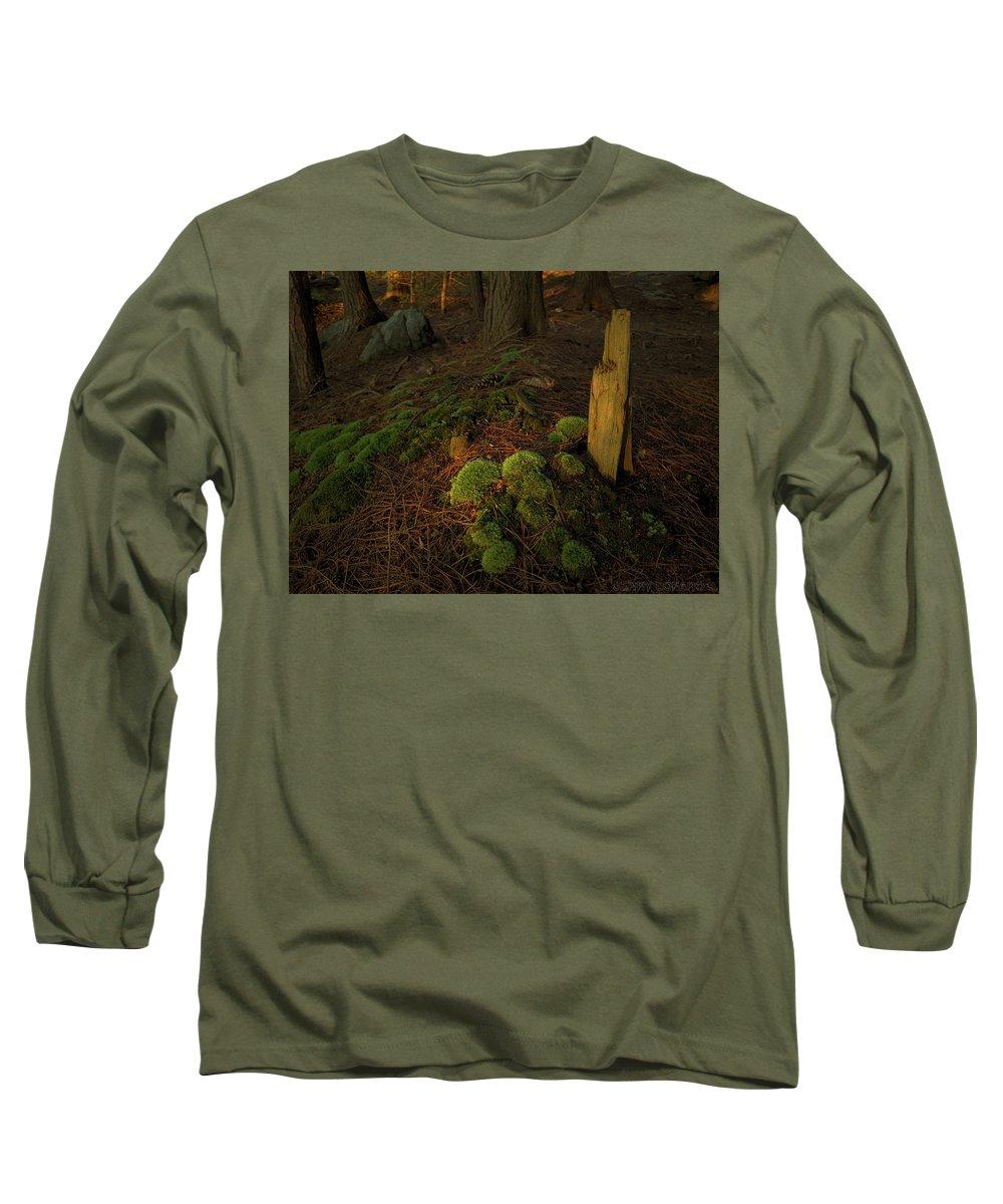 Light Shaft Long Sleeve T-Shirts
