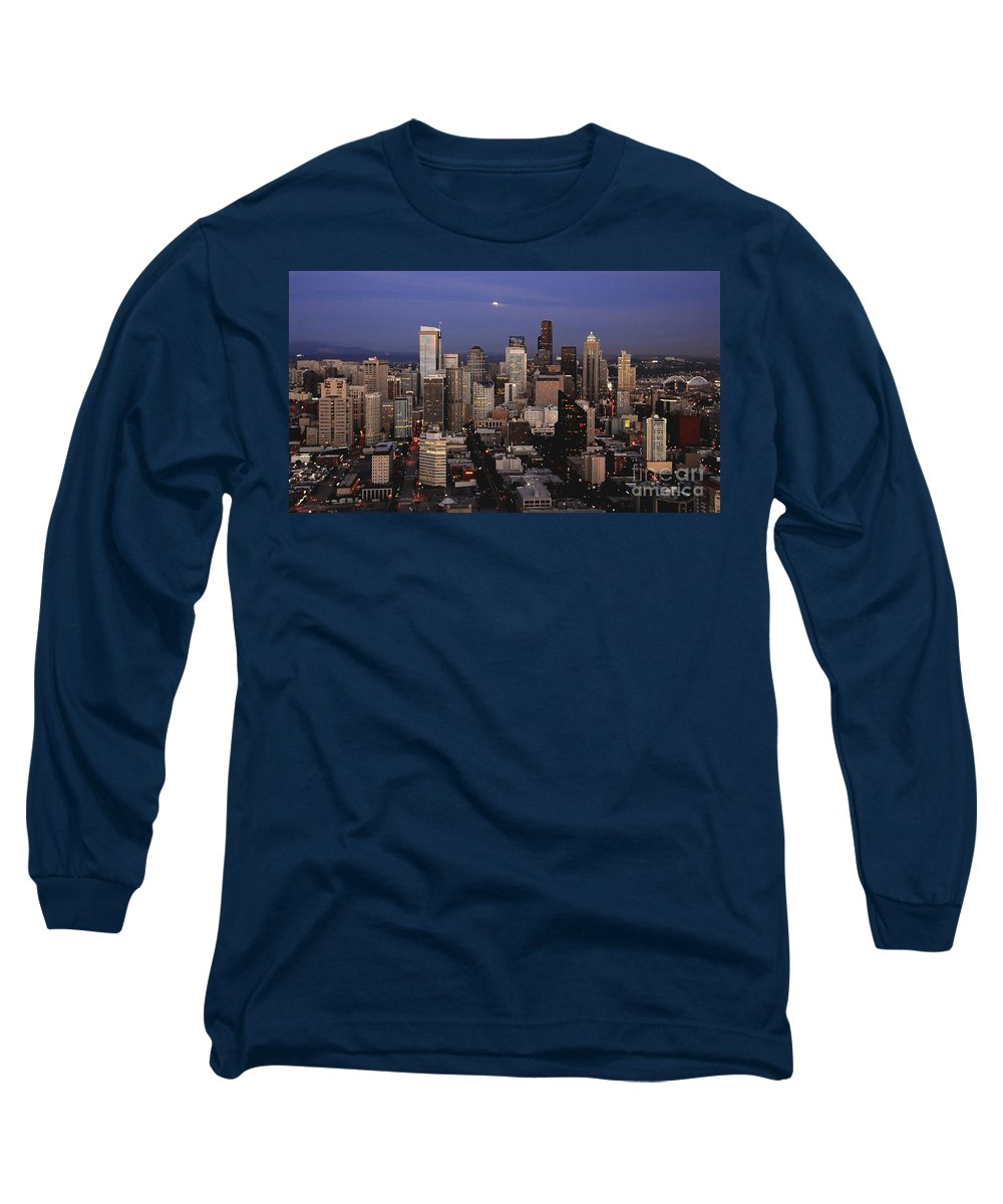 Seattle Long Sleeve T-Shirt featuring the photograph Moon Over Seattle by David Lee Thompson