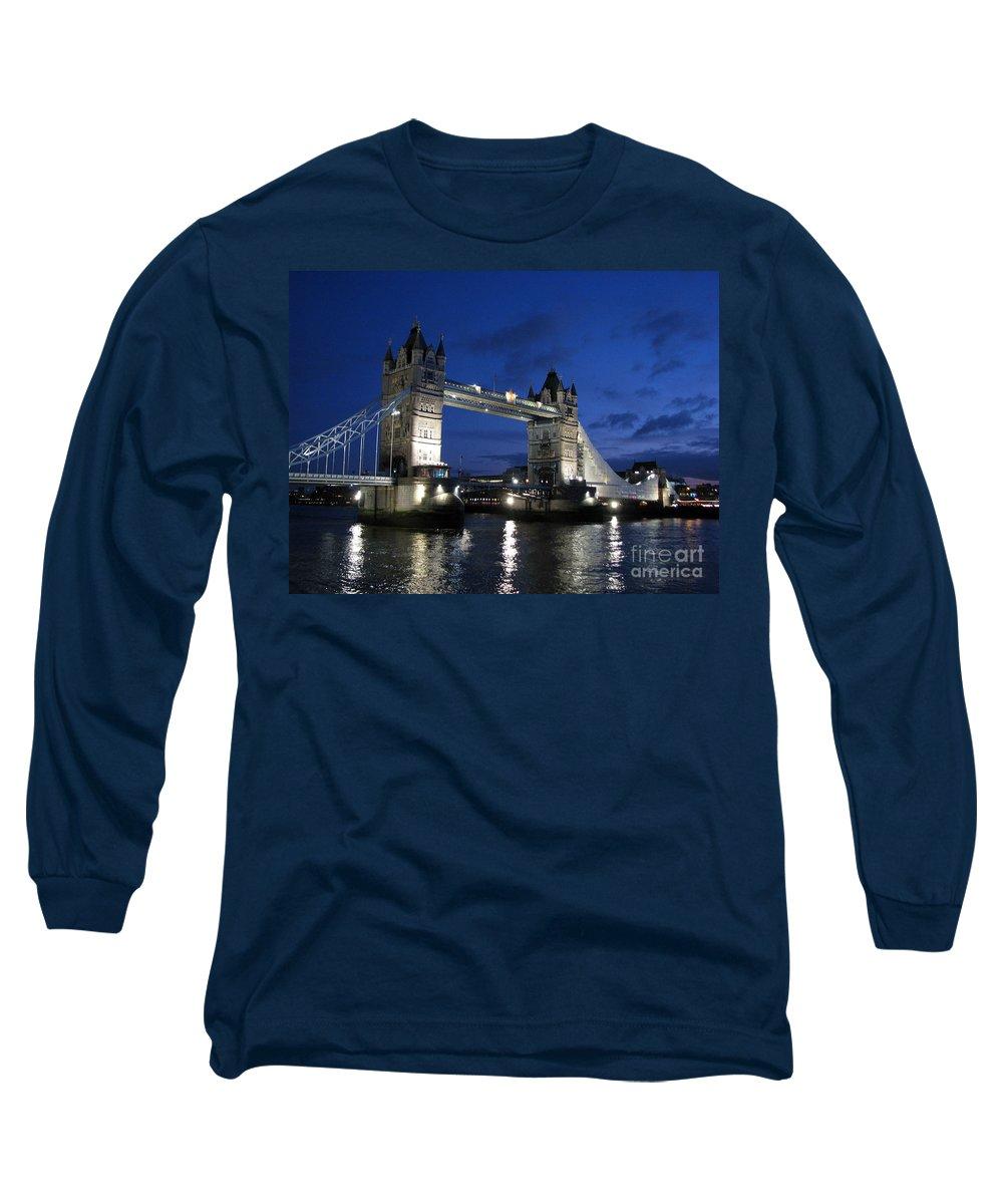 London Long Sleeve T-Shirt featuring the photograph Tower Bridge by Amanda Barcon