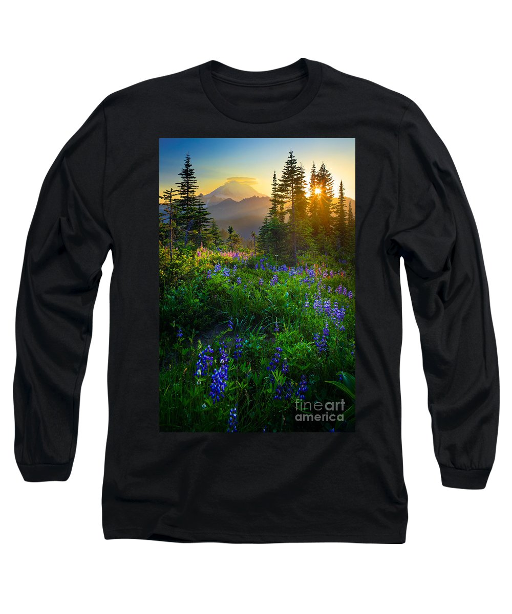 America Long Sleeve T-Shirt featuring the photograph Mount Rainier Sunburst by Inge Johnsson