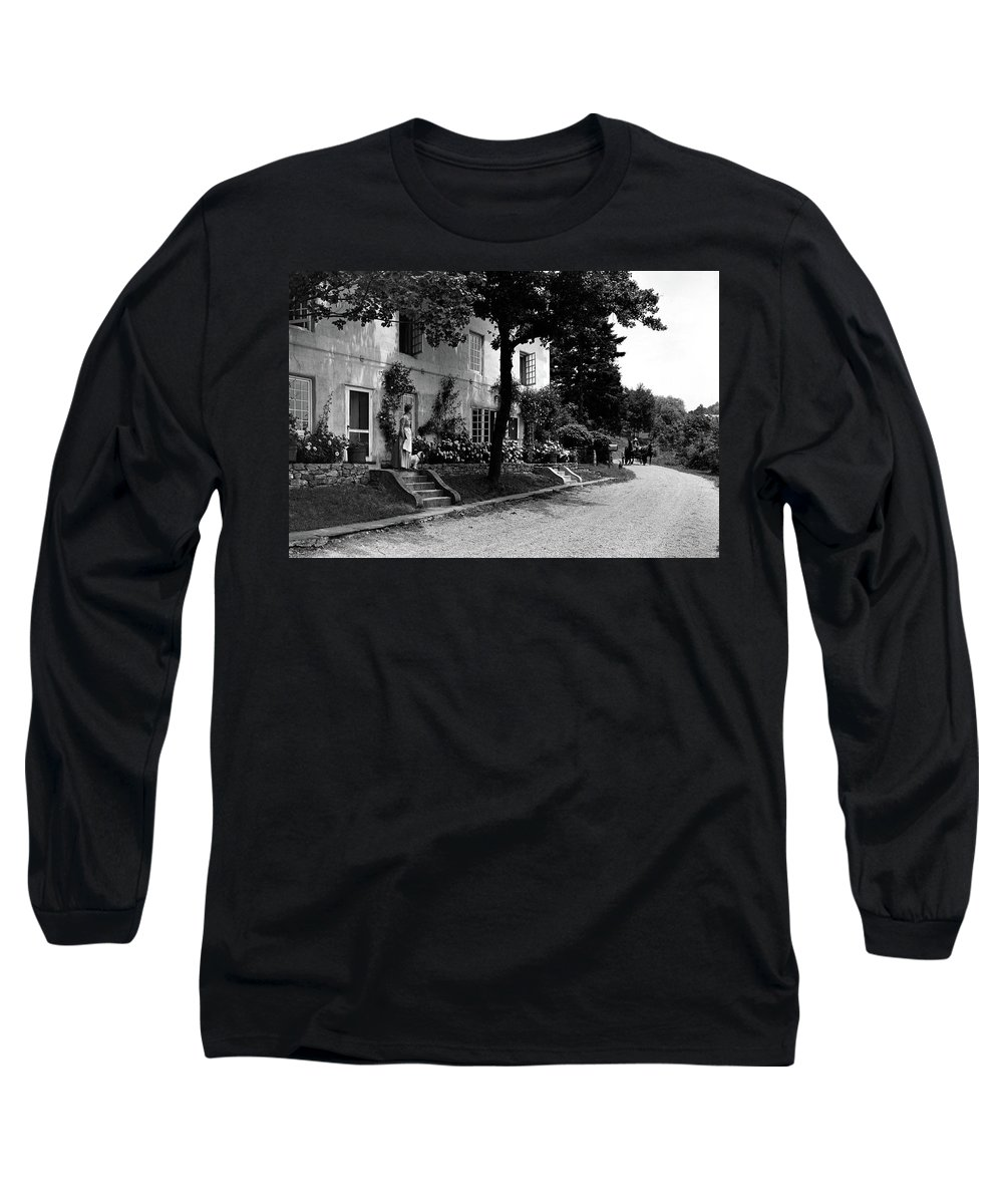 Architecture Long Sleeve T-Shirt featuring the photograph The Platt's House In New Jersey by Samuel H. Gottscho