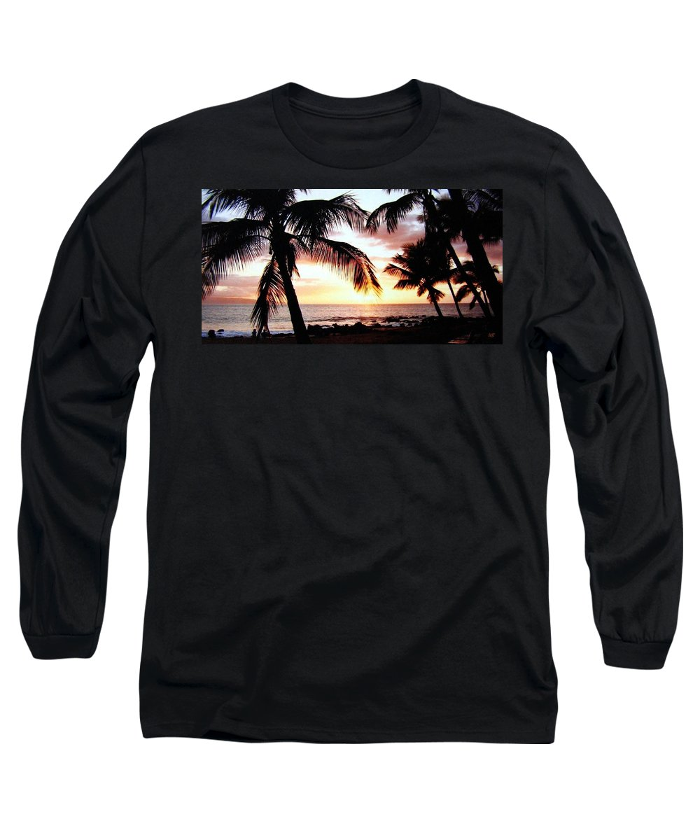 1986 Long Sleeve T-Shirt featuring the photograph A Couple On The Shore by Will Borden