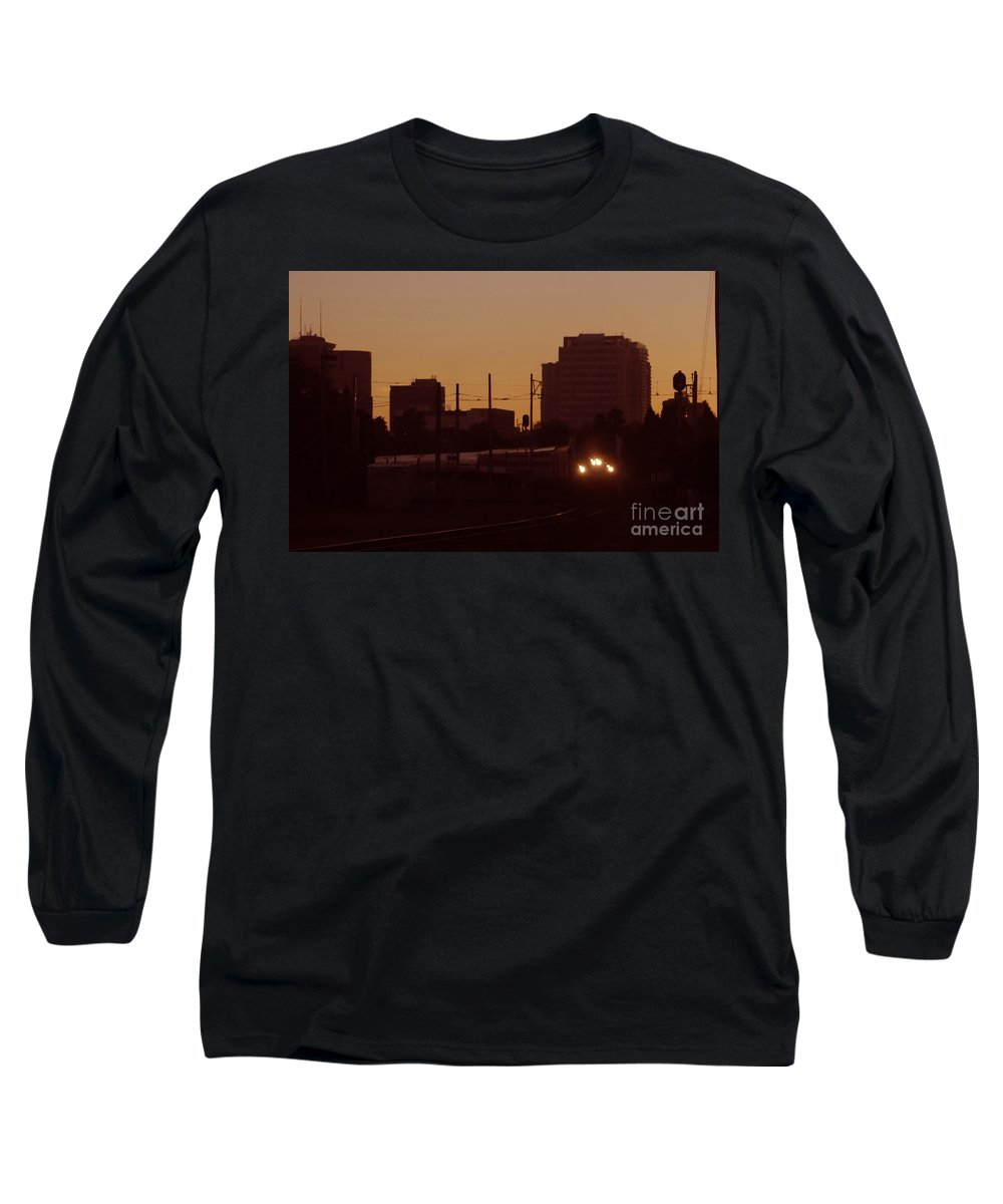 Train Long Sleeve T-Shirt featuring the photograph A Train A Com In by David Lee Thompson
