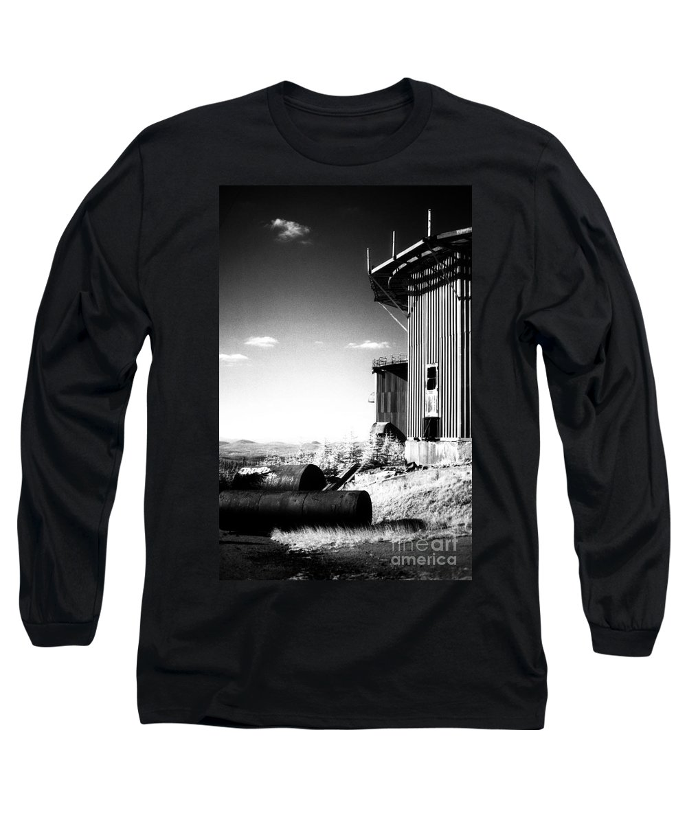 Abandoned Long Sleeve T-Shirt featuring the photograph Abandoned Radar by Richard Rizzo