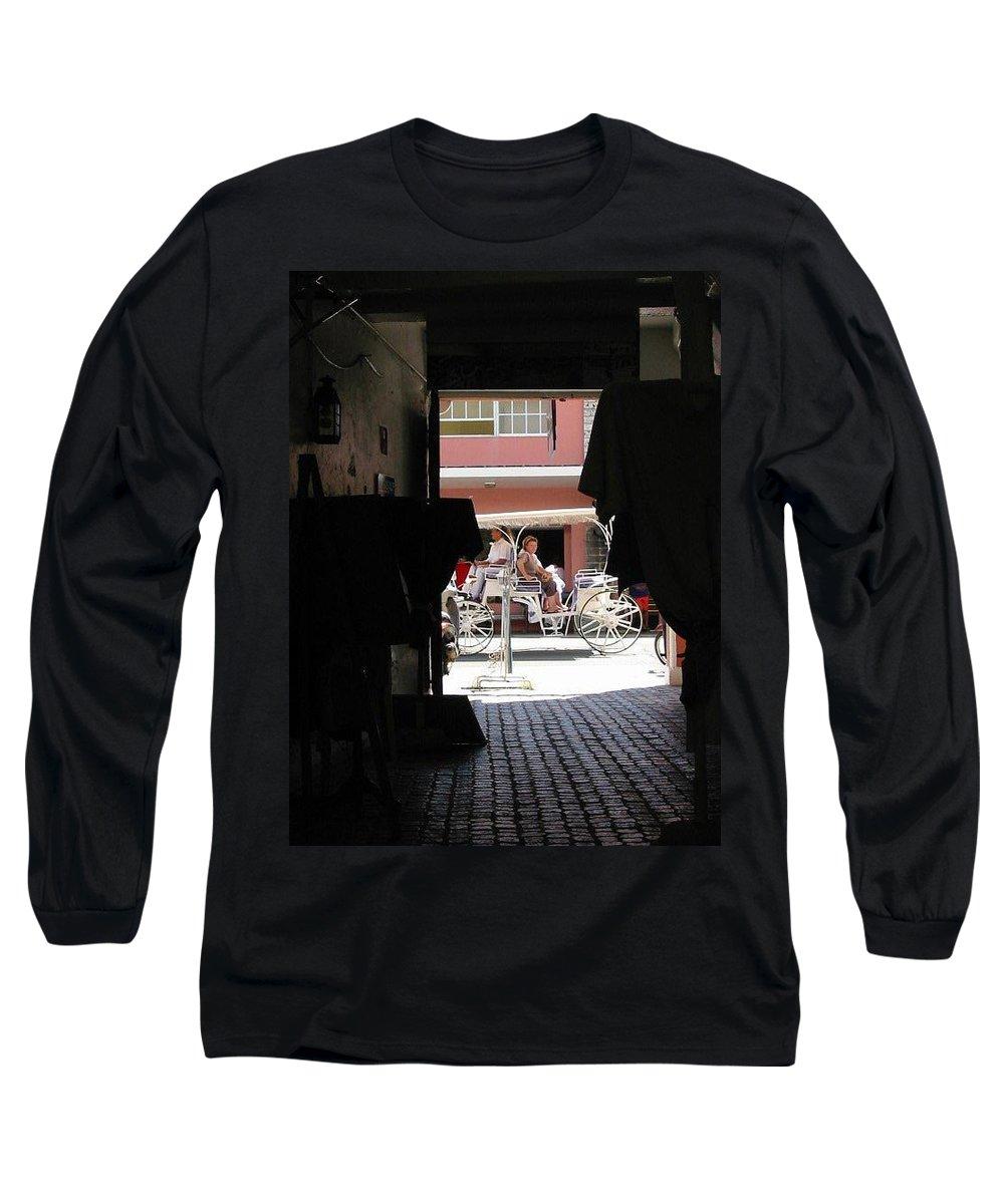 Bermuda Long Sleeve T-Shirt featuring the photograph Bermuda Carriage by Ian MacDonald