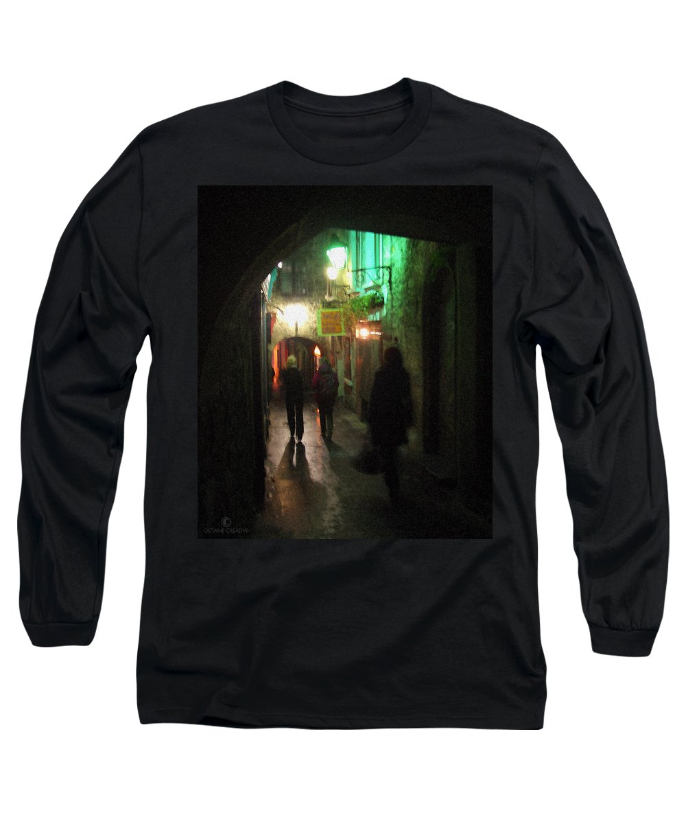 Ireland Long Sleeve T-Shirt featuring the photograph Evening Shoppers by Tim Nyberg
