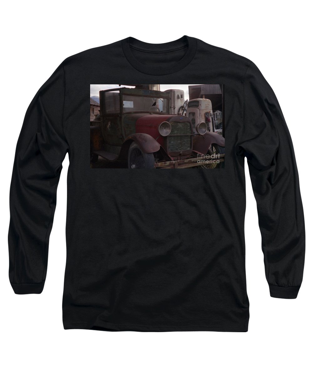 Gas Station Long Sleeve T-Shirt featuring the photograph Full Service by Richard Rizzo