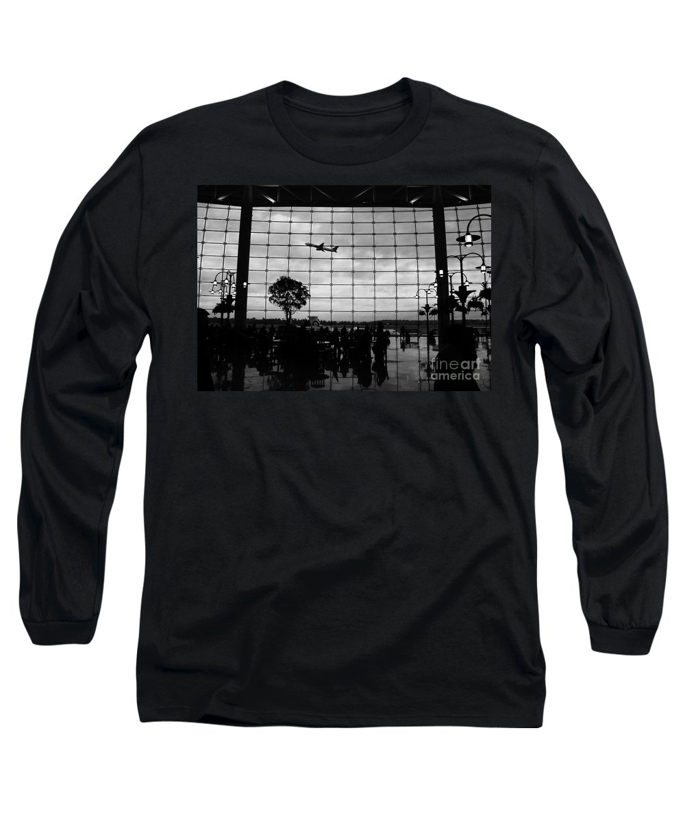 Flying Long Sleeve T-Shirt featuring the photograph Going Home by David Lee Thompson