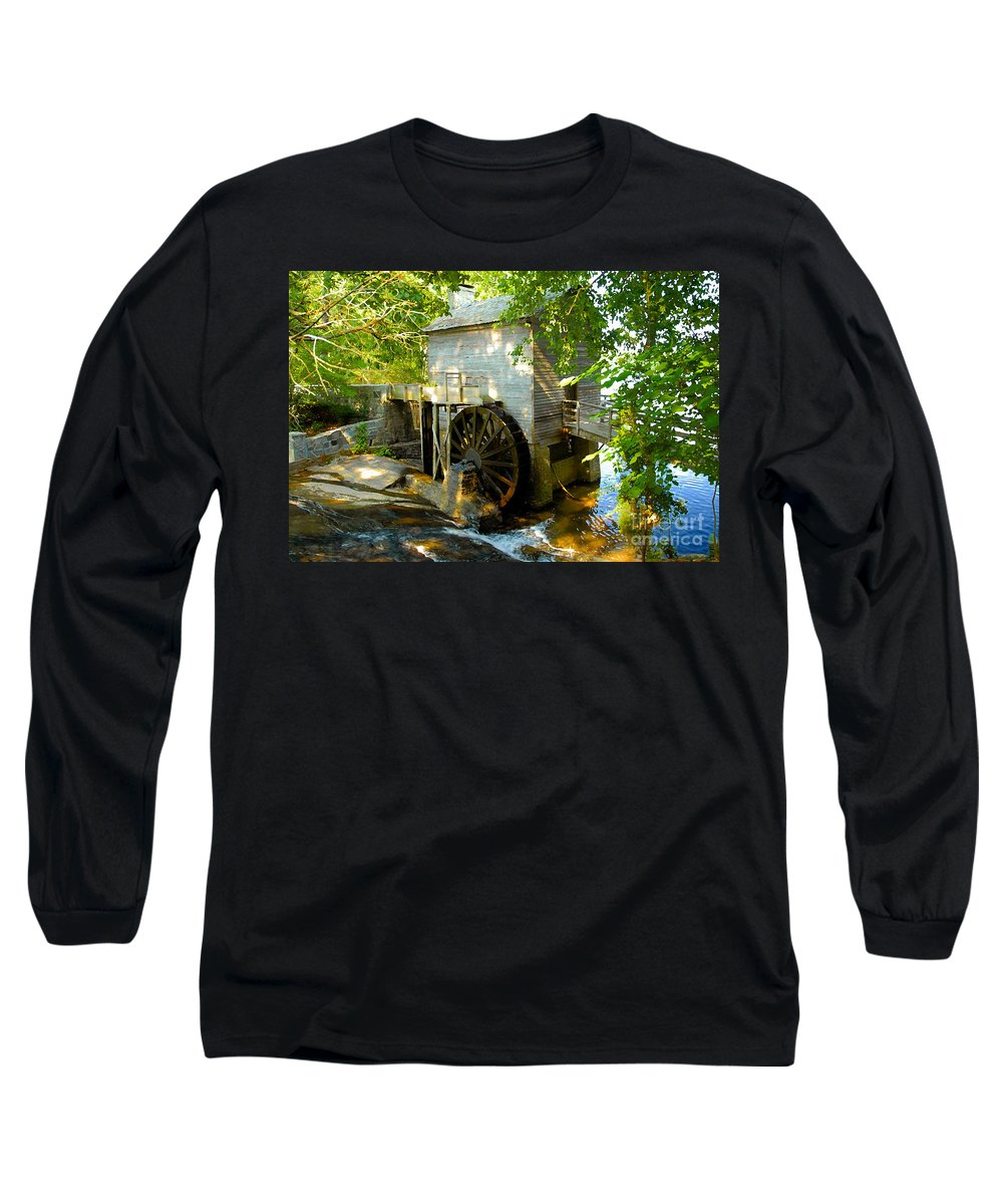 Grist Mill Long Sleeve T-Shirt featuring the photograph Grist Mill by David Lee Thompson