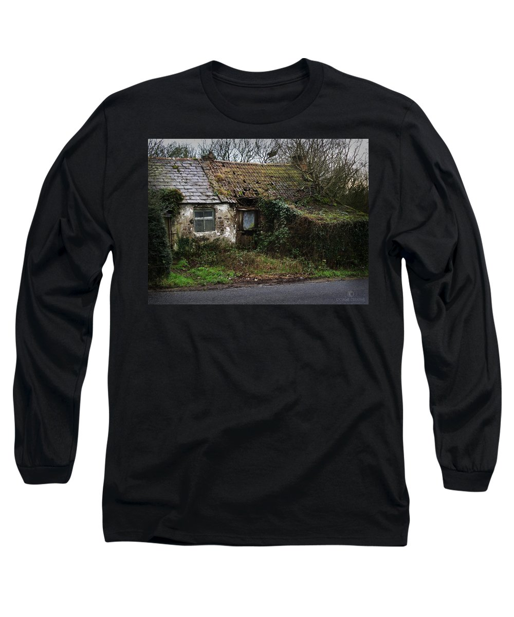 Hovel Long Sleeve T-Shirt featuring the photograph Irish Hovel by Tim Nyberg