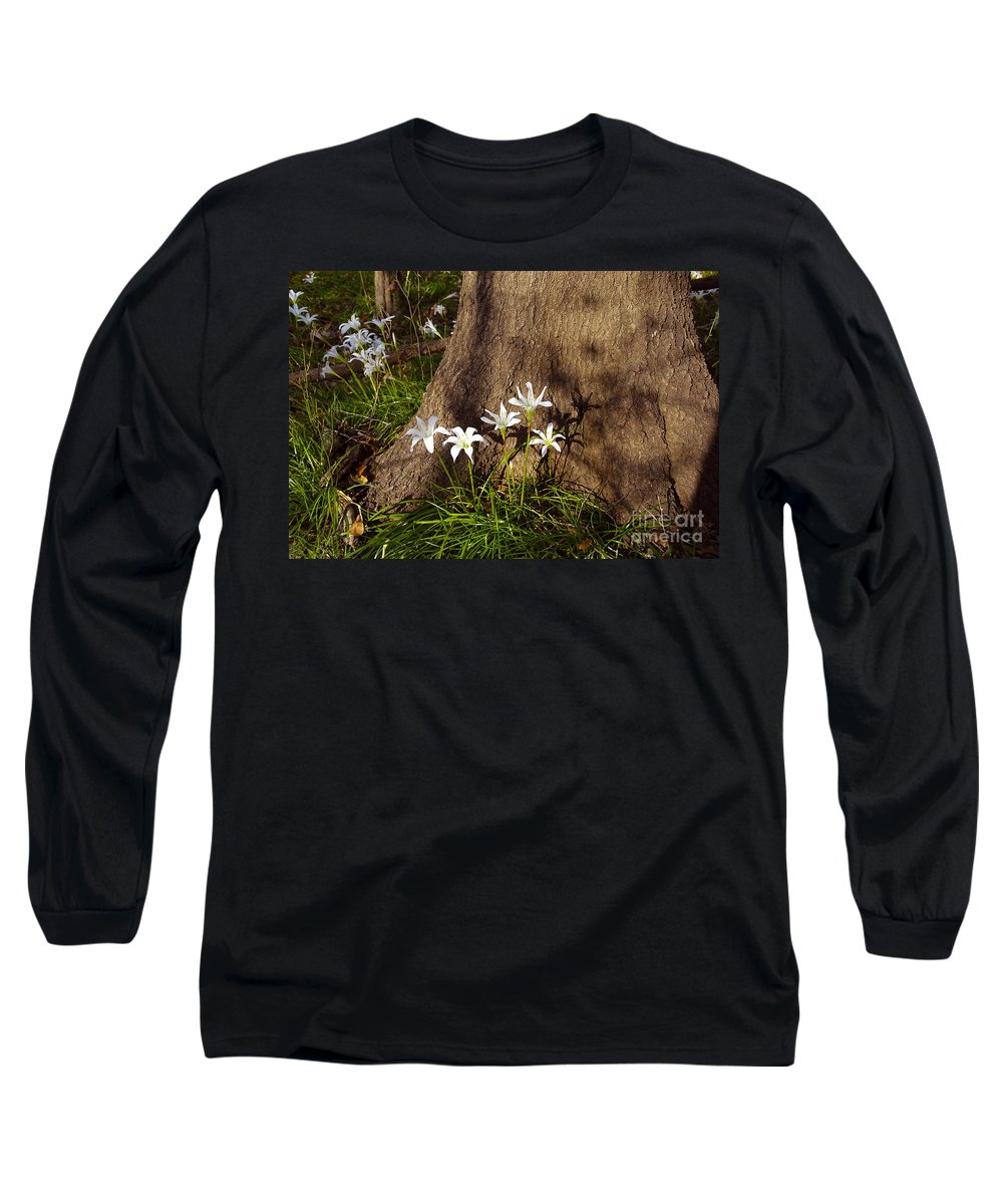 Atamasco Long Sleeve T-Shirt featuring the photograph Lily's Atamasco by David Lee Thompson