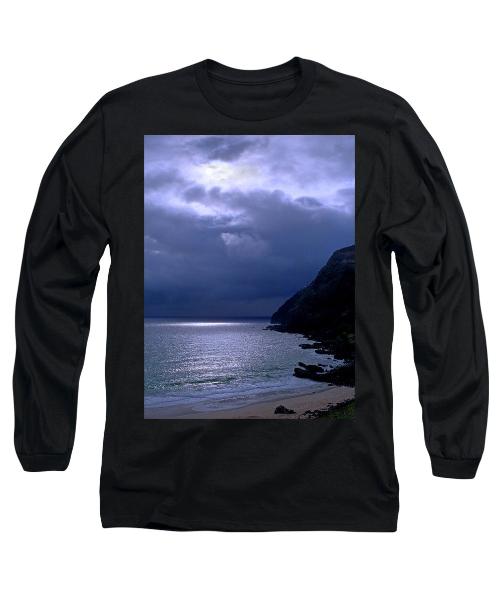 Makapuu Long Sleeve T-Shirt featuring the photograph Makapuu Moon by Kevin Smith