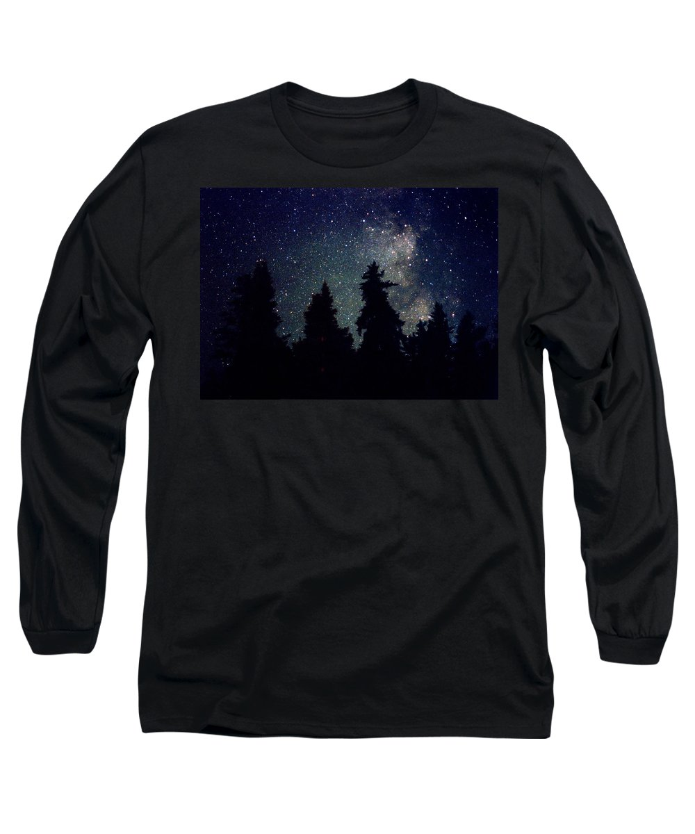 Milky Way Long Sleeve T-Shirt featuring the photograph Milky Way Above Northern Forest 22 by Lyle Crump