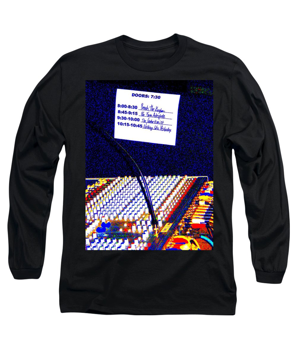 Still Life Long Sleeve T-Shirt featuring the photograph Plugged In by Ed Smith