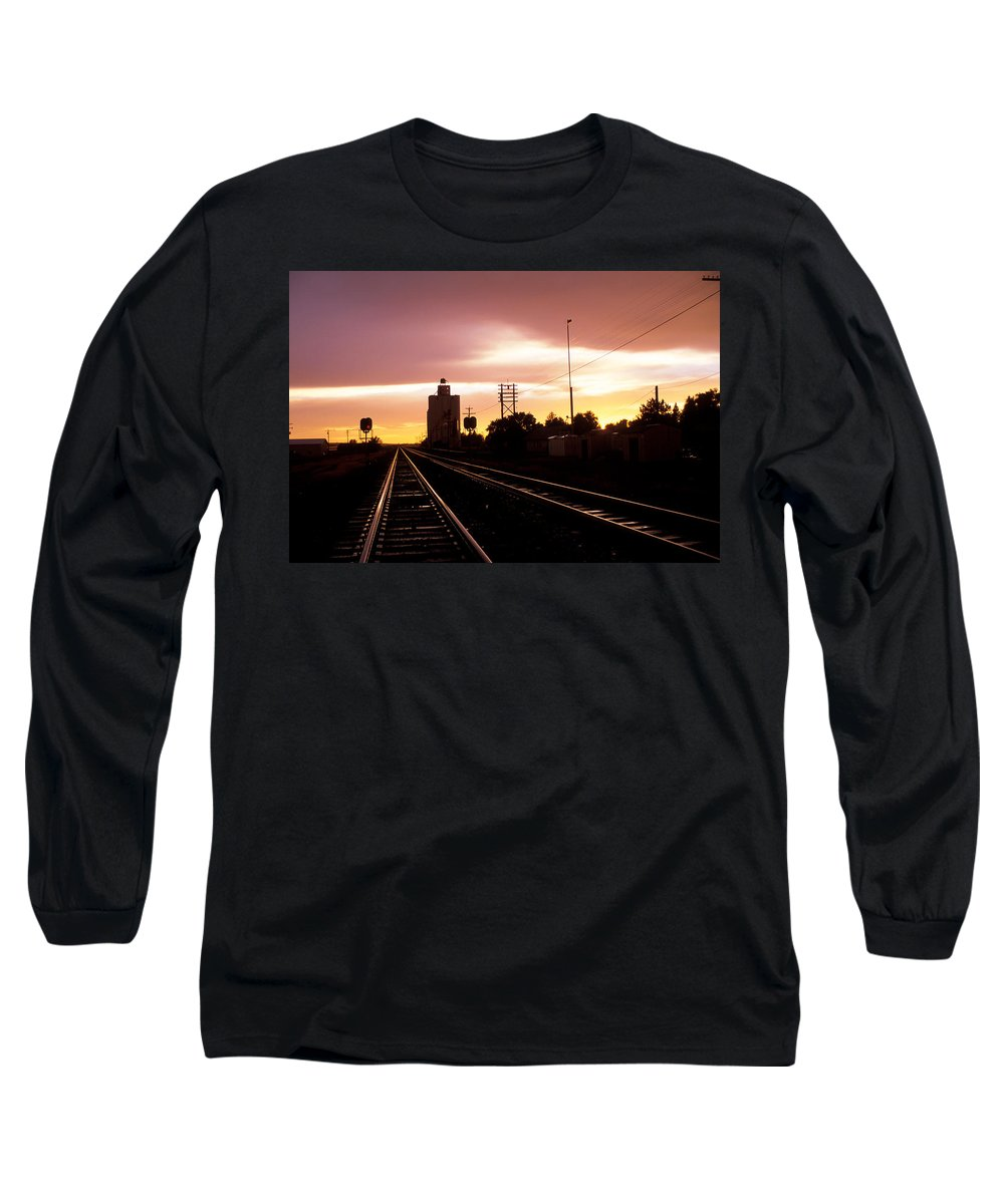 Potter Long Sleeve T-Shirt featuring the photograph Potter Tracks by Jerry McElroy