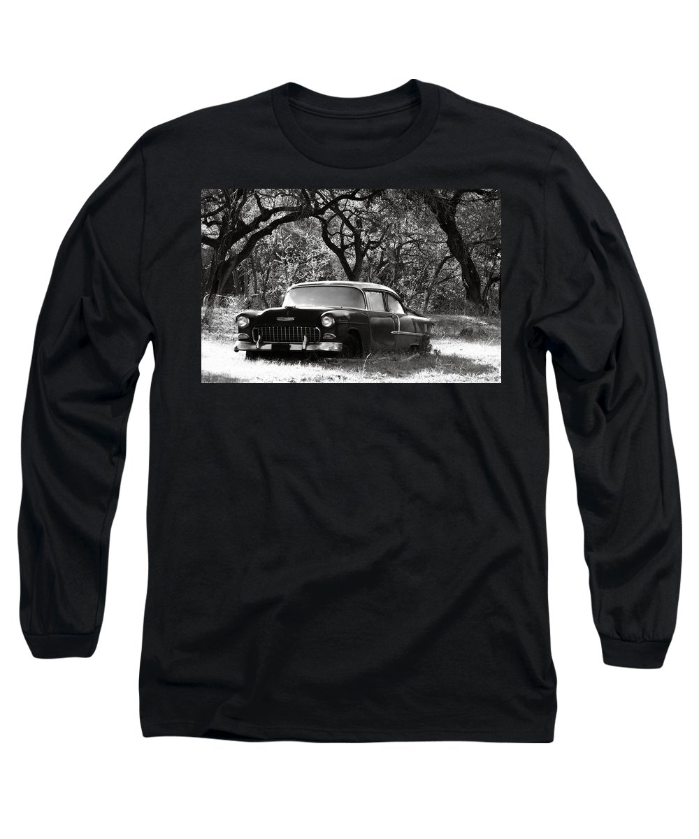 Americana Long Sleeve T-Shirt featuring the photograph Resting Amongst The Oaks by Marilyn Hunt