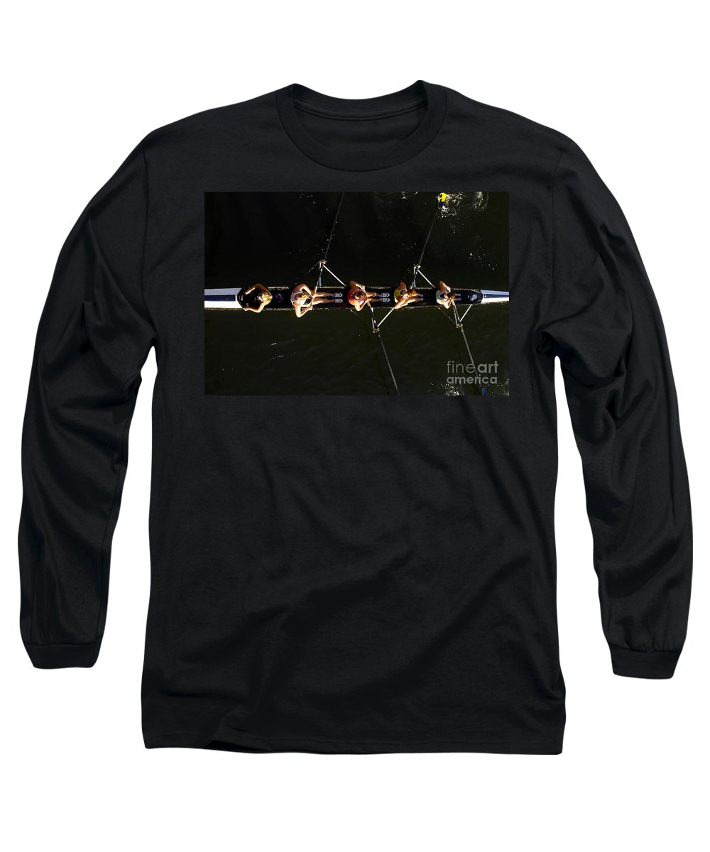 Women Long Sleeve T-Shirt featuring the photograph Sculling by David Lee Thompson