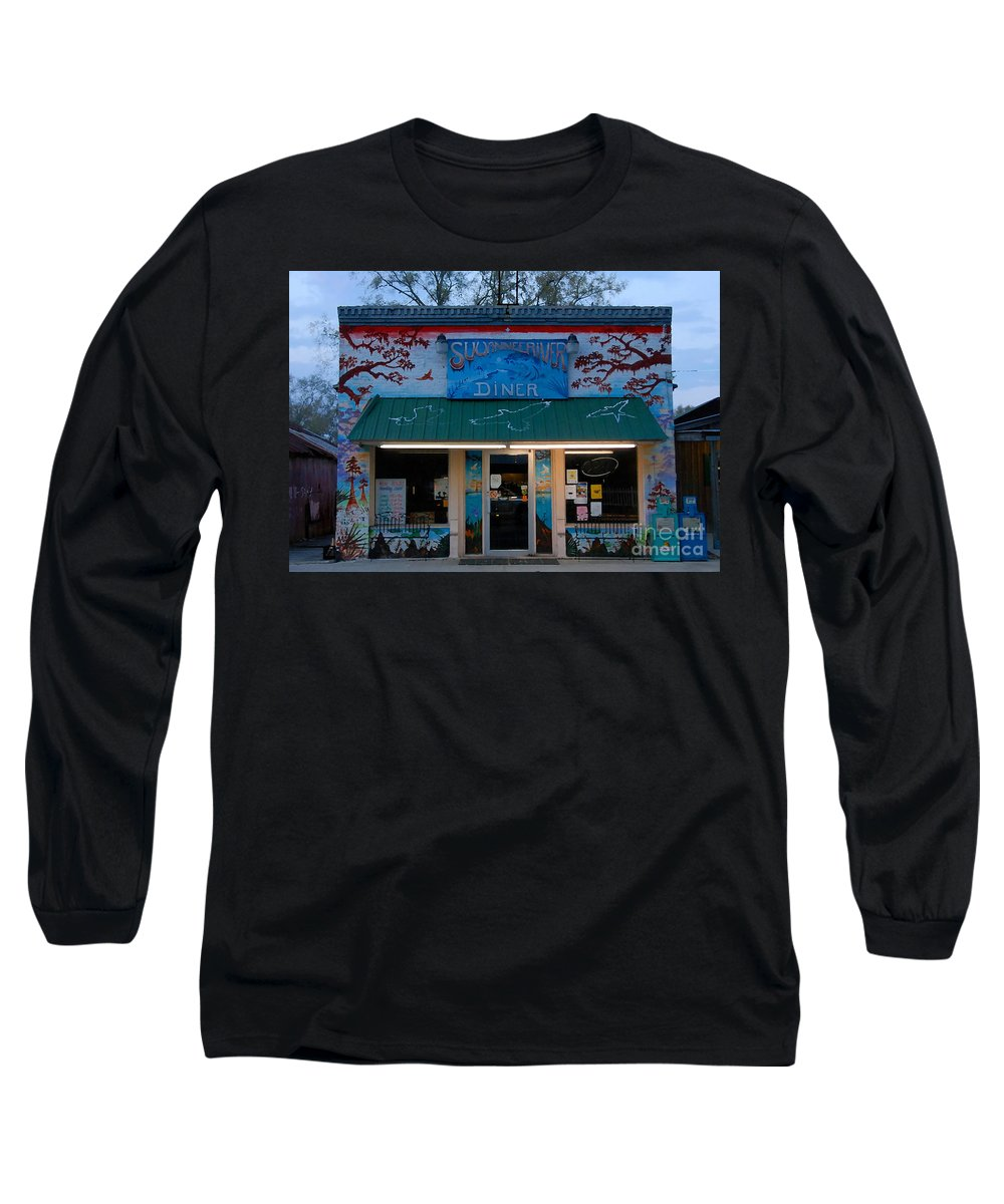 Suwanee River Long Sleeve T-Shirt featuring the photograph Suwannee River Diner by David Lee Thompson