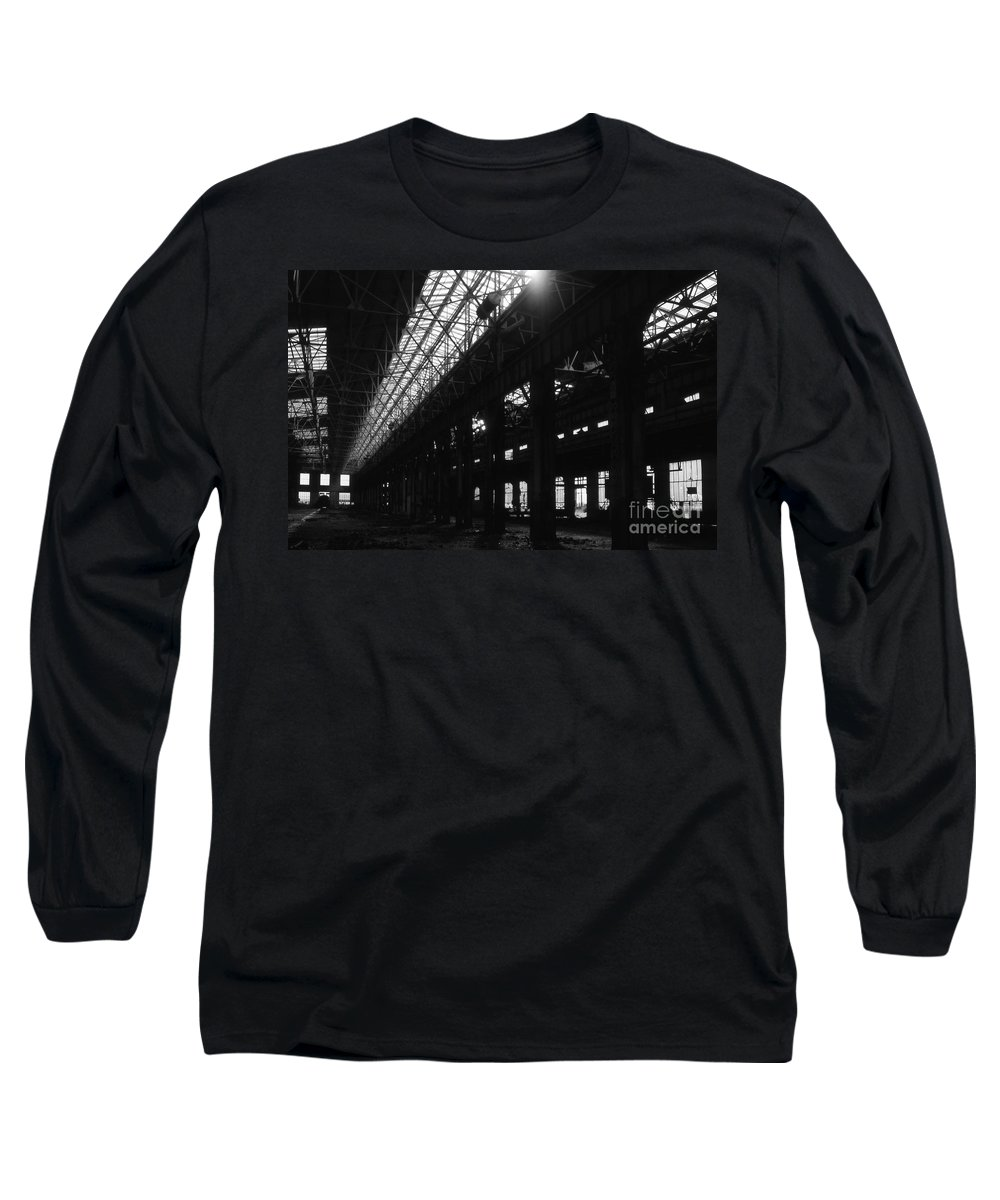 Buildings Long Sleeve T-Shirt featuring the photograph The Back Shop by Richard Rizzo